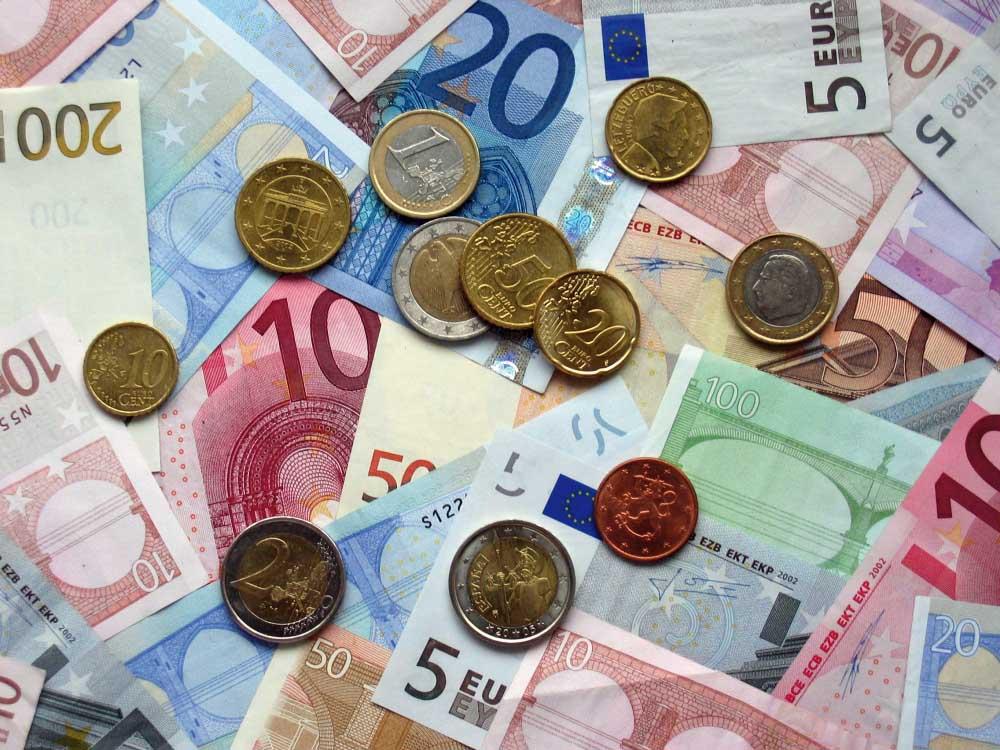 denaro euro carta moneta