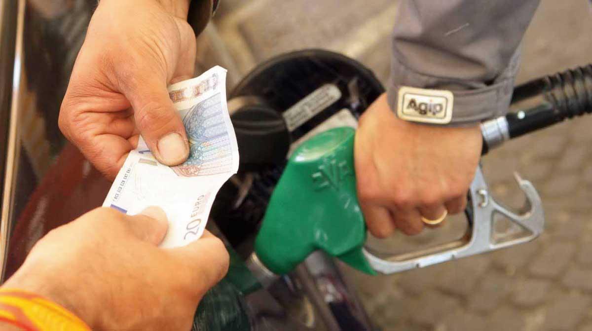 distributore pompa pistola benzina verde biglietto 20 euro 1