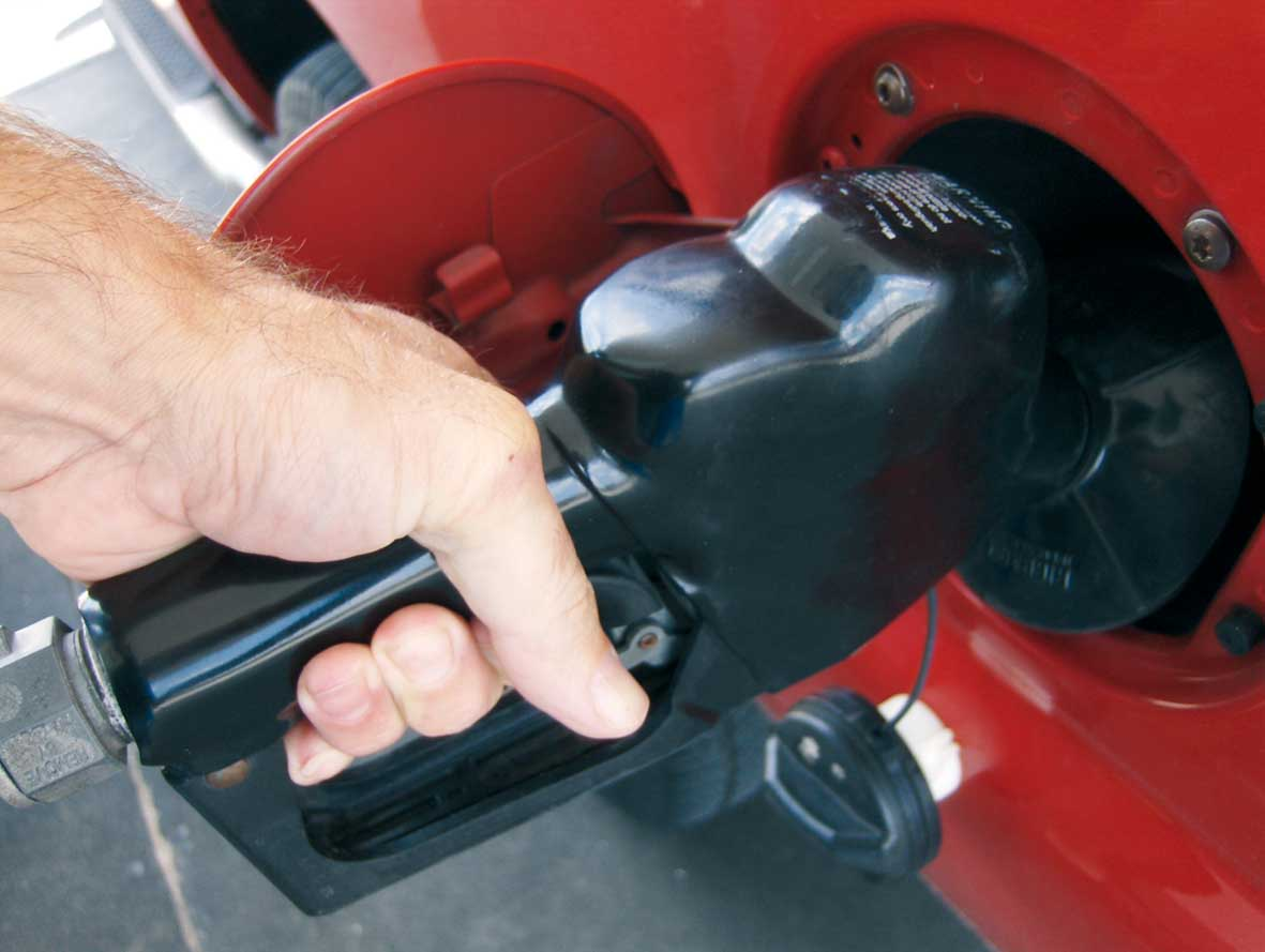distributore pompa gasolio carburante 1