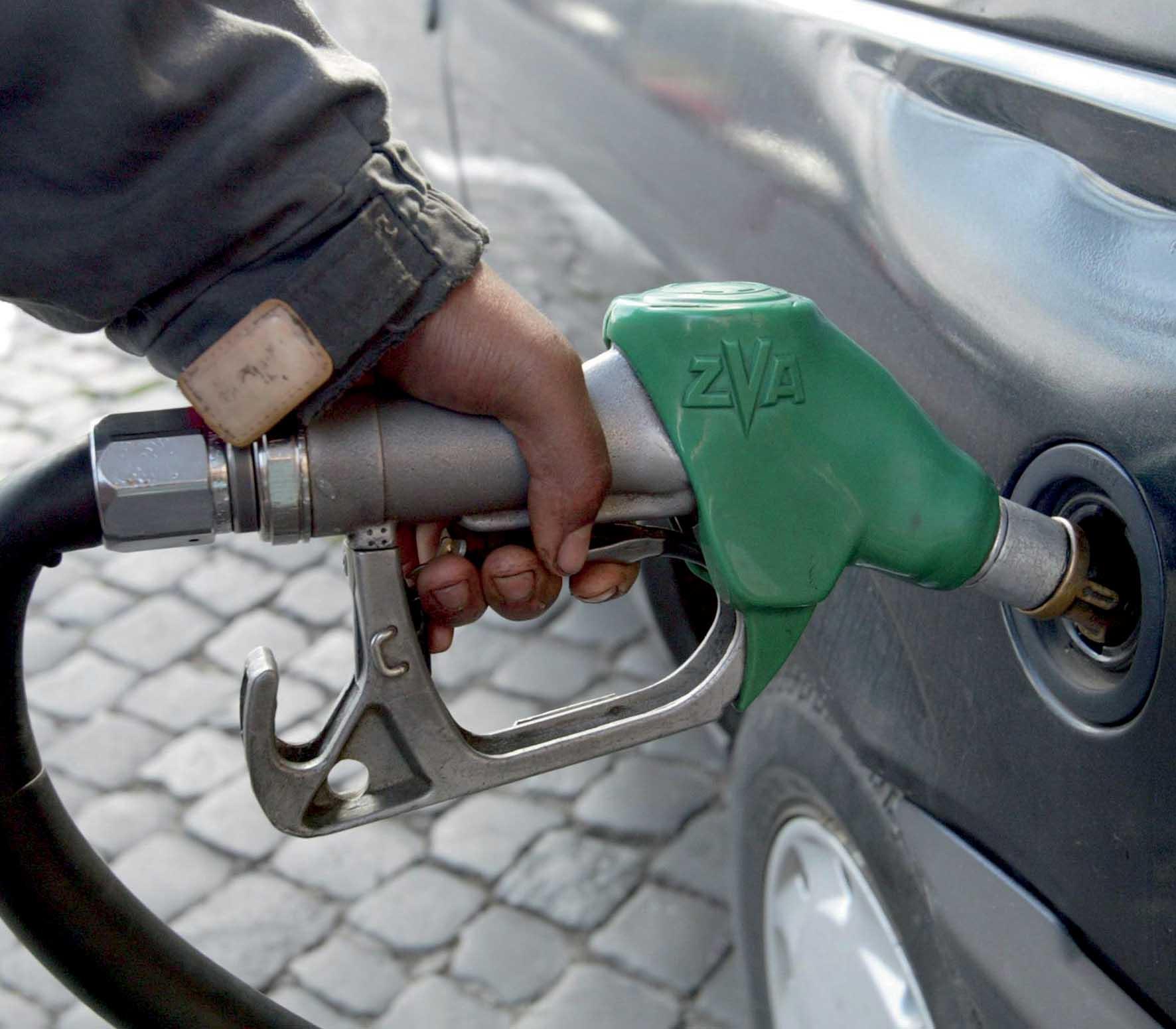 petrolio pompa benzina super 1