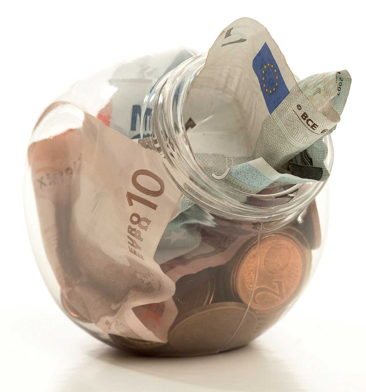 risparmio barattolo vetro soldi euro FbySh 1