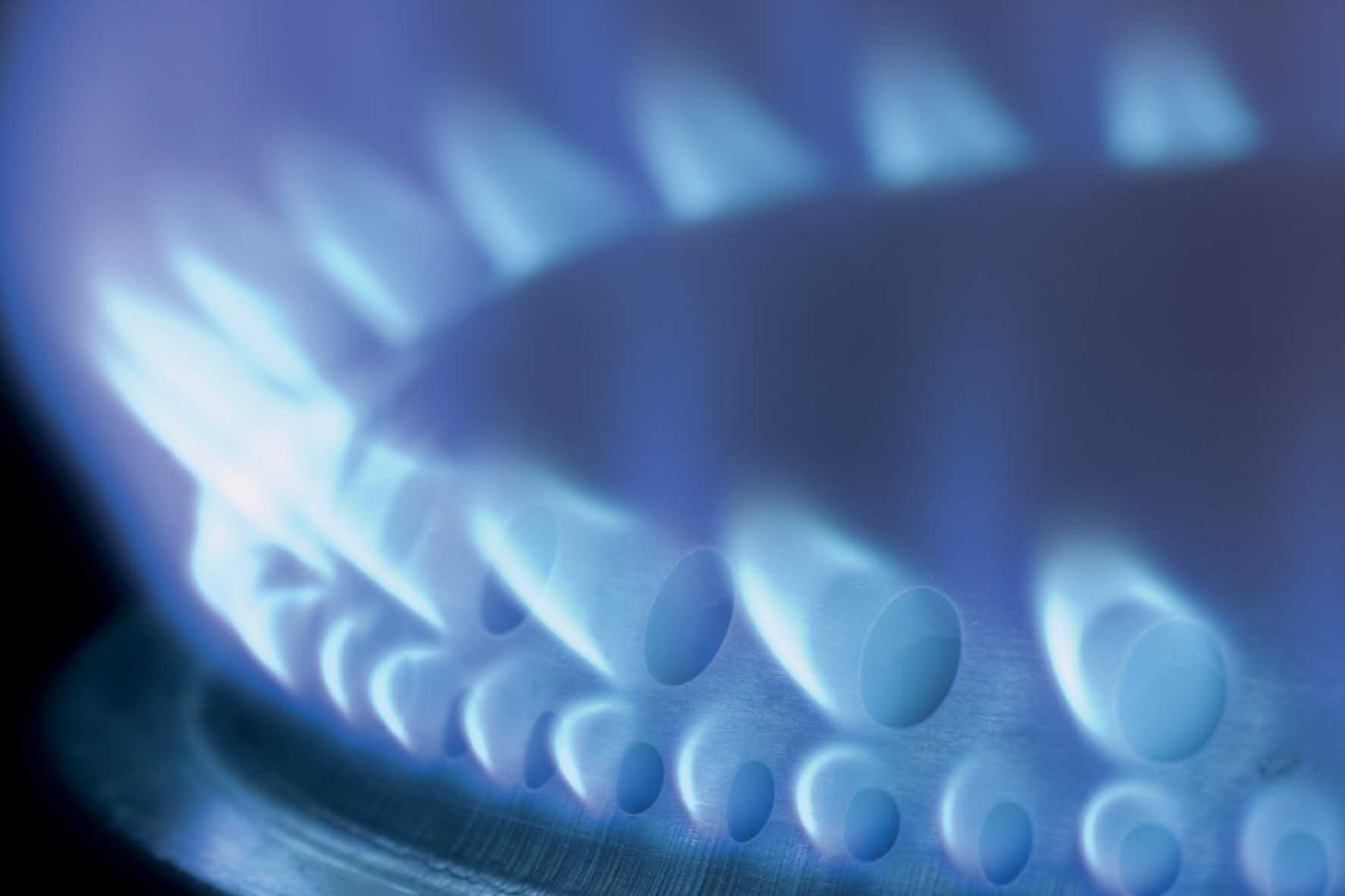 ascopiave multiutility fiamma gas metano bruciatore foto by shutterstock 1