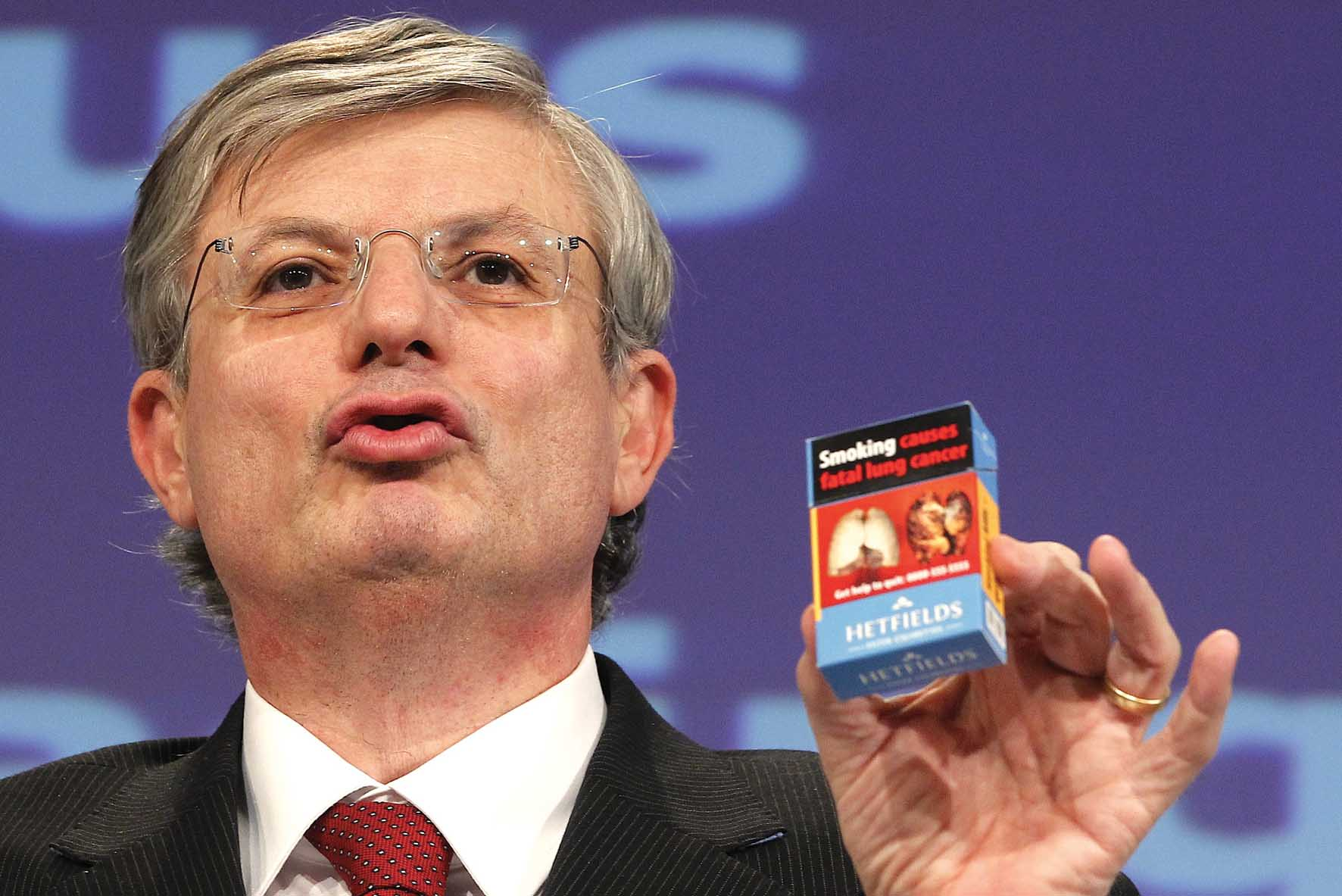 Tonio Borg commissario UE salute pacchetto sigarette 1