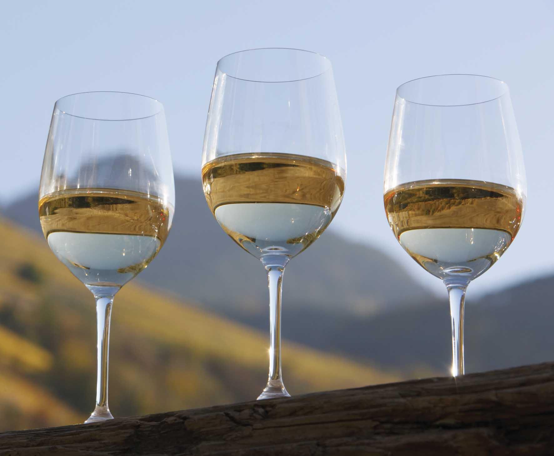 Vini Alto ADige vini-bianchi-bicchieri-eos-frieder-blickle 1