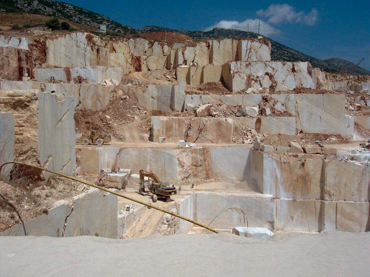 Marmomacc cave-orosei 1