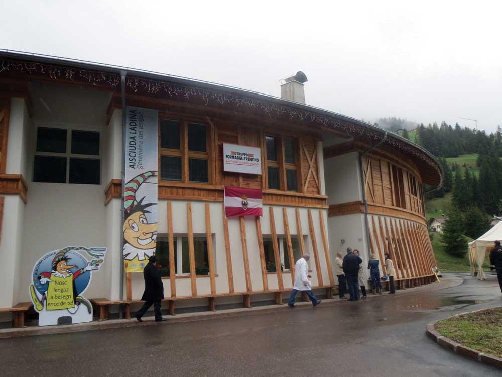 Nuovo caseificio pera di fassa 1