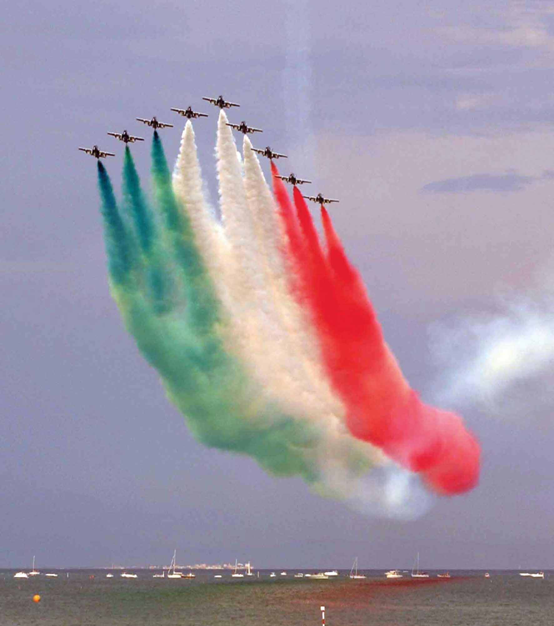frecce tricolori scie cielo Ph Parisotto V 0105 1