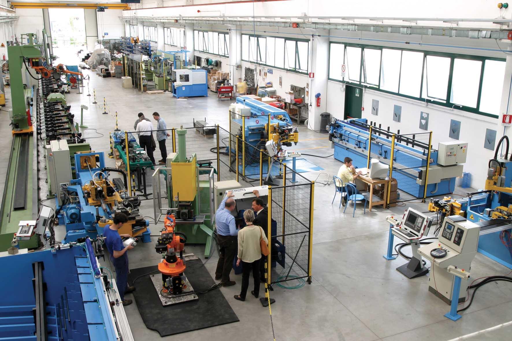 confindustria udine fabbrica lavoro 1