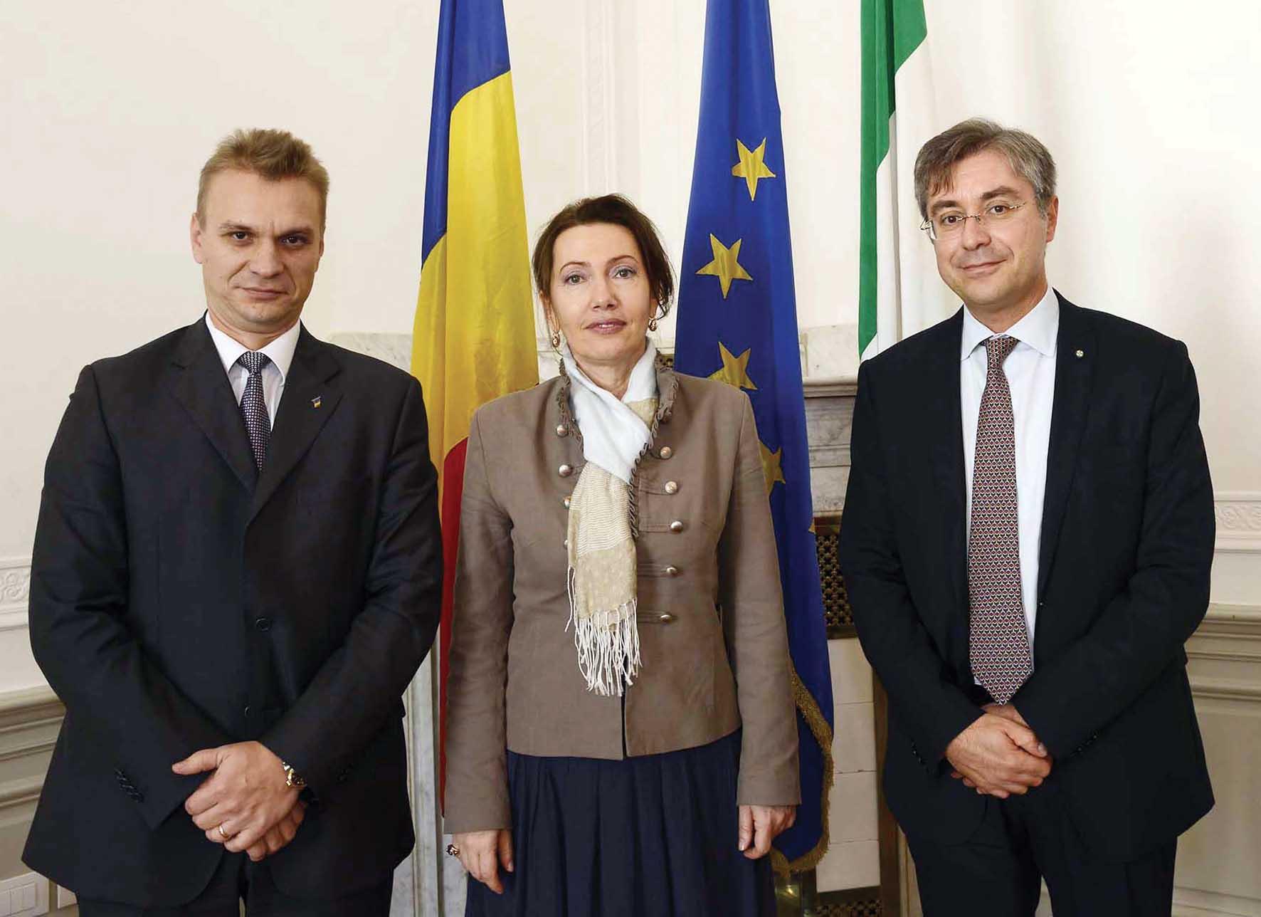 FVG Cosmin Dumitrescu Console generale di Romania a Trieste Dana Manuela Constantinescu Ambasciatore di Romania in Italia Francesco Peroni 1