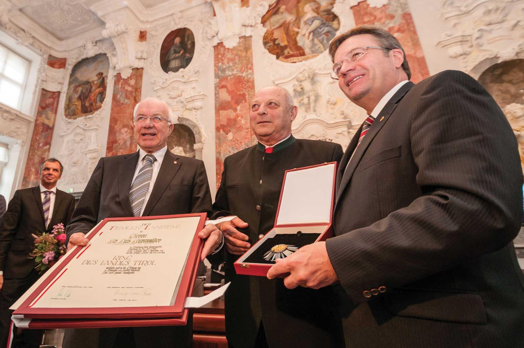Durnwalder tra il presidente delConsiglio-Herwig-van-Staa-e-il-governatore-Günther-Platter-ilnordest