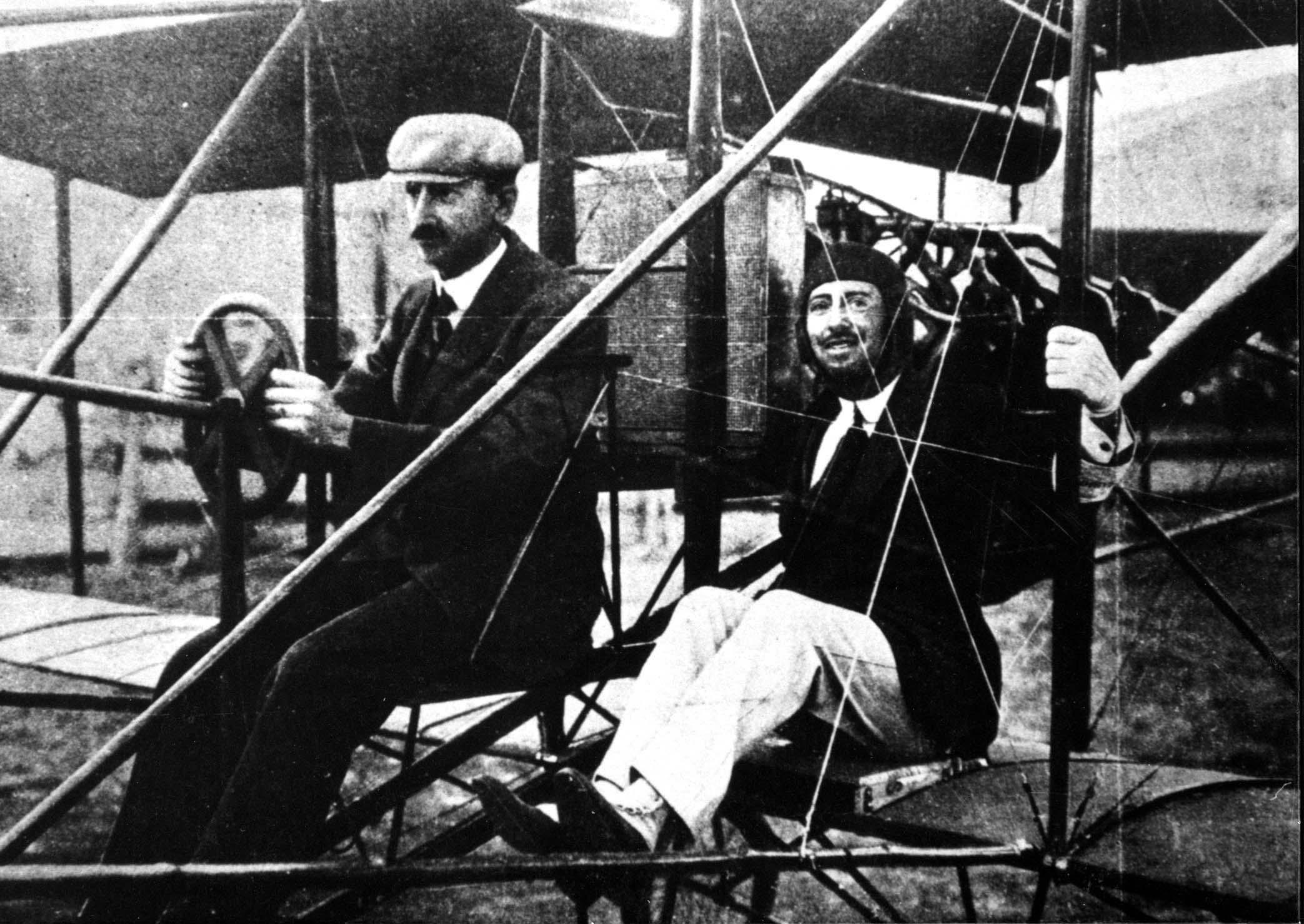 gabriele-dannunzio-aviatore-ilnordest