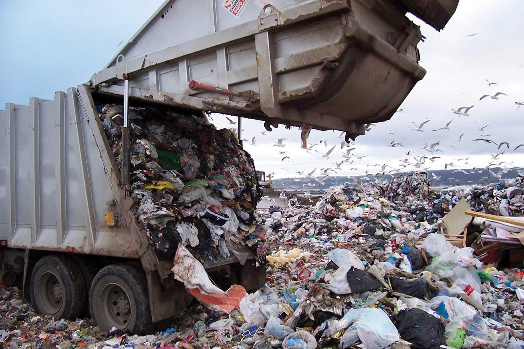 emilia romagna rifiuti-discarica-svuotamento-compattatore-ilnordest