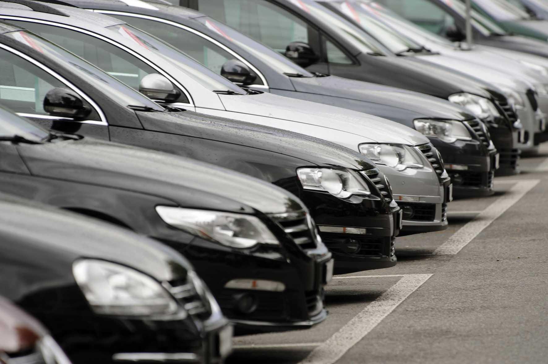 mercato dell'auto autoparco auto volkswagen 1