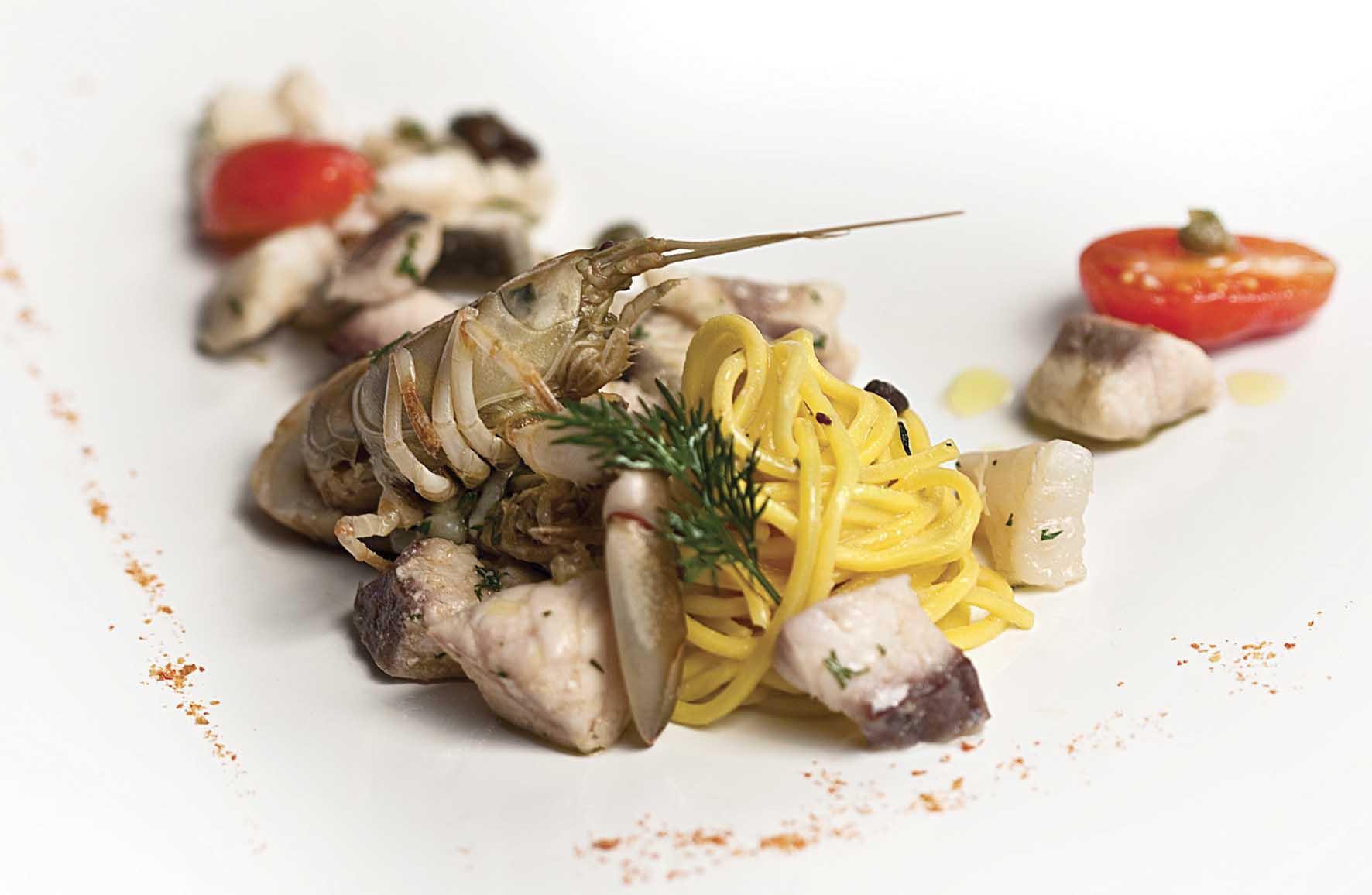 fish chef leandro luppi vecchia malcesine spaghetti allo scoglio di lago-Ristorante Vecchia Malcesine 1