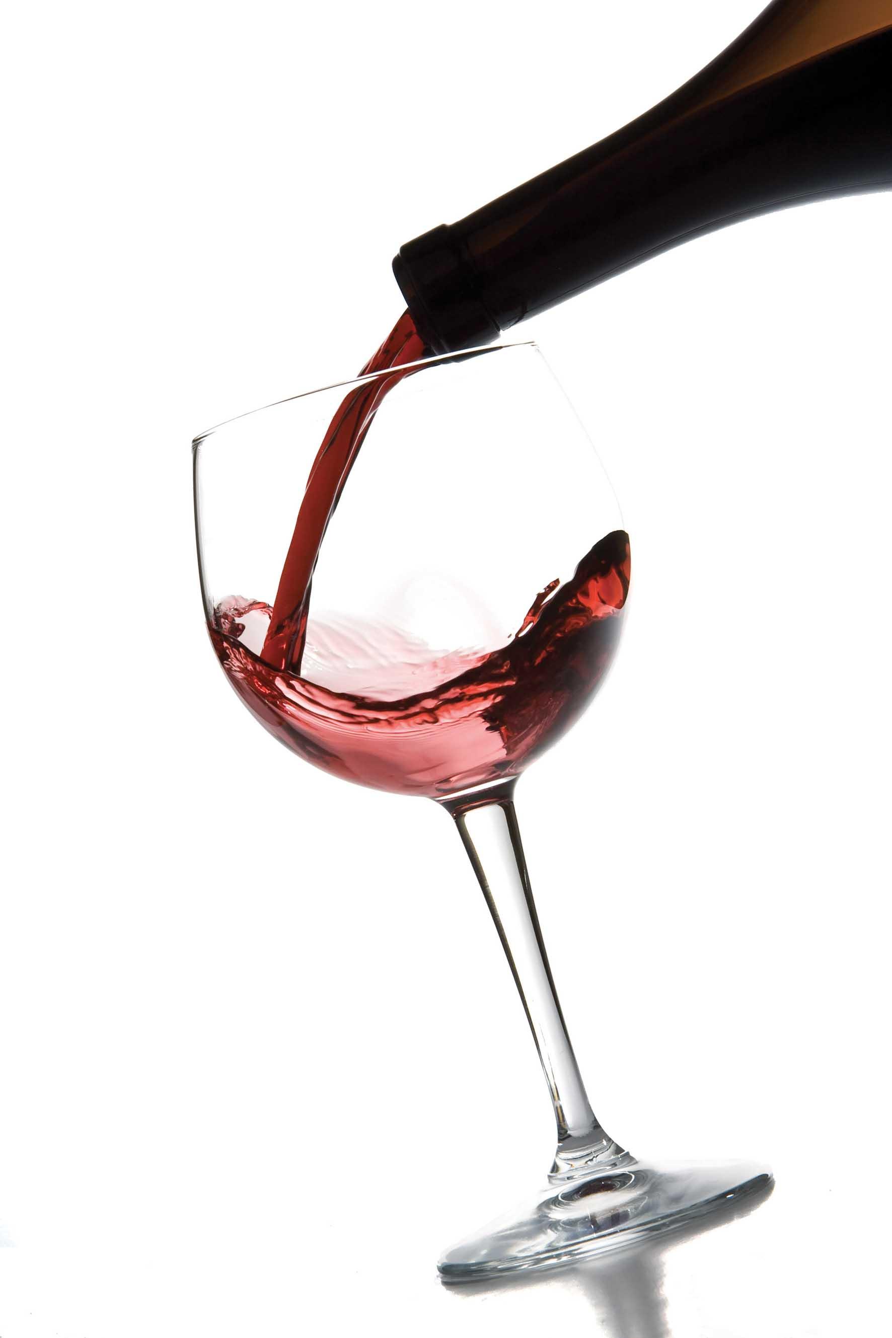 Vino bicchiere versamento da bottiglia Fotolia