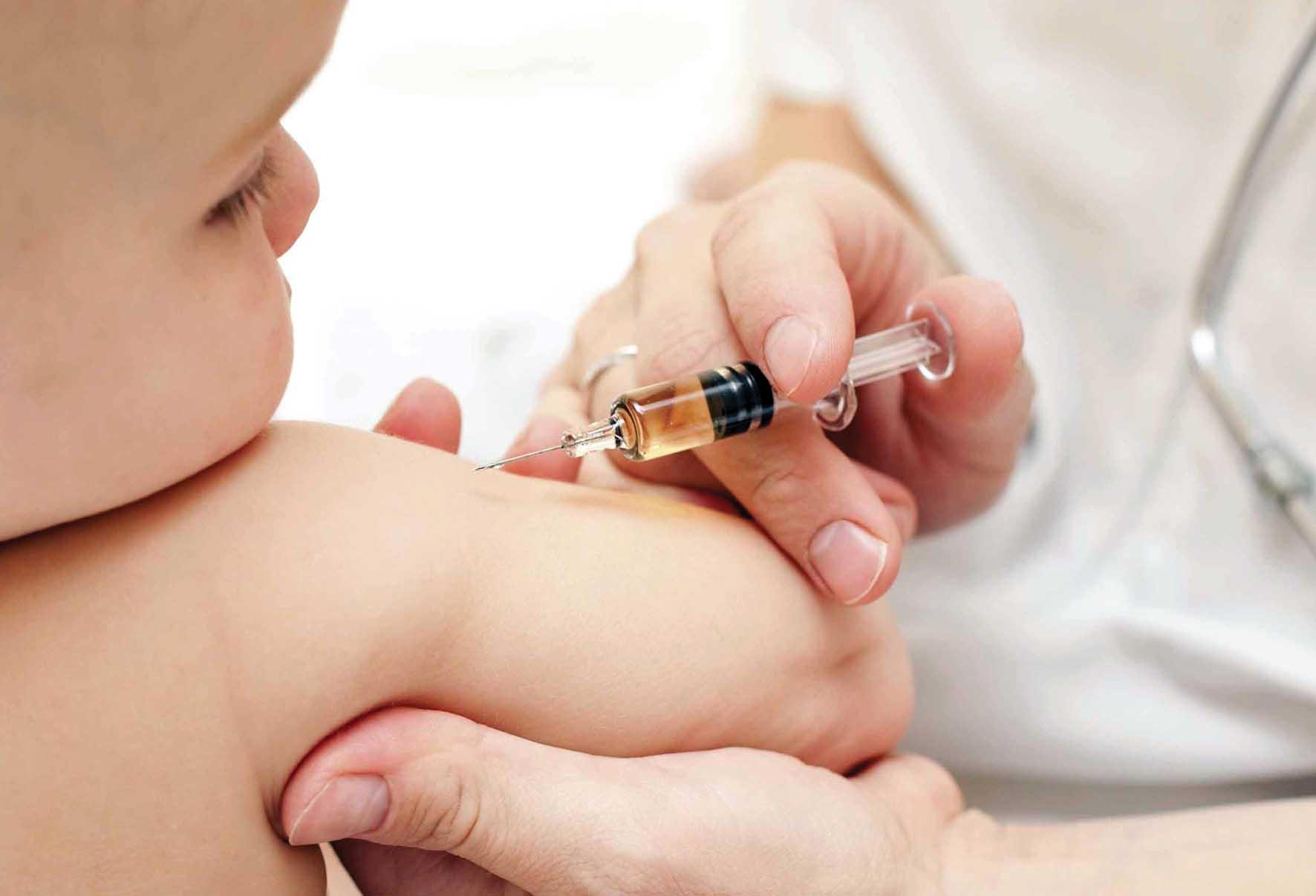 vaccino vaccinazione bambino