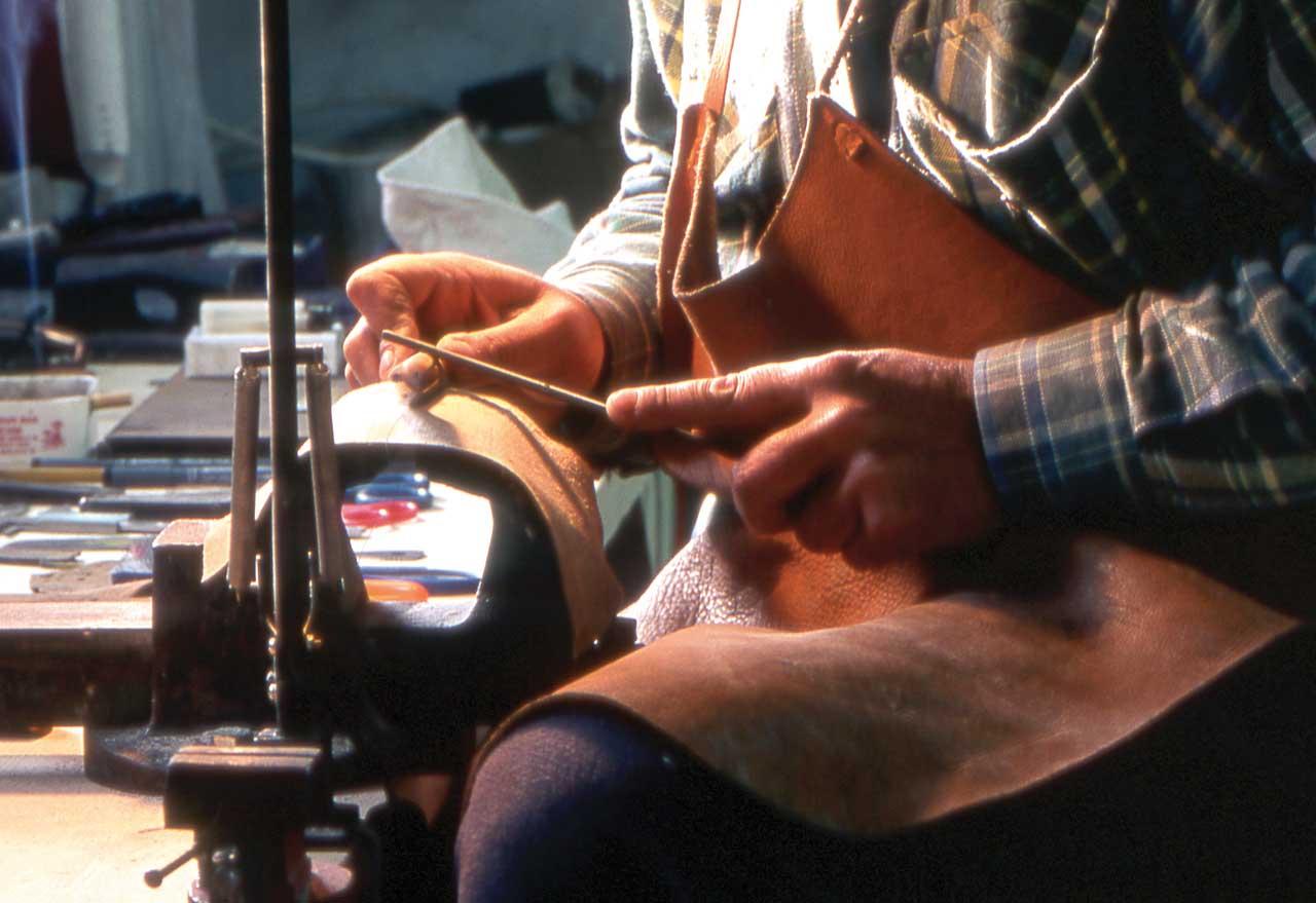 Reload - ricambio generazionale artigianato artigiano lavorazione oggetto