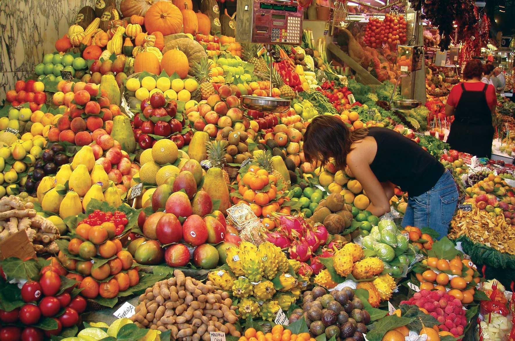 bancarella frutta verdura
