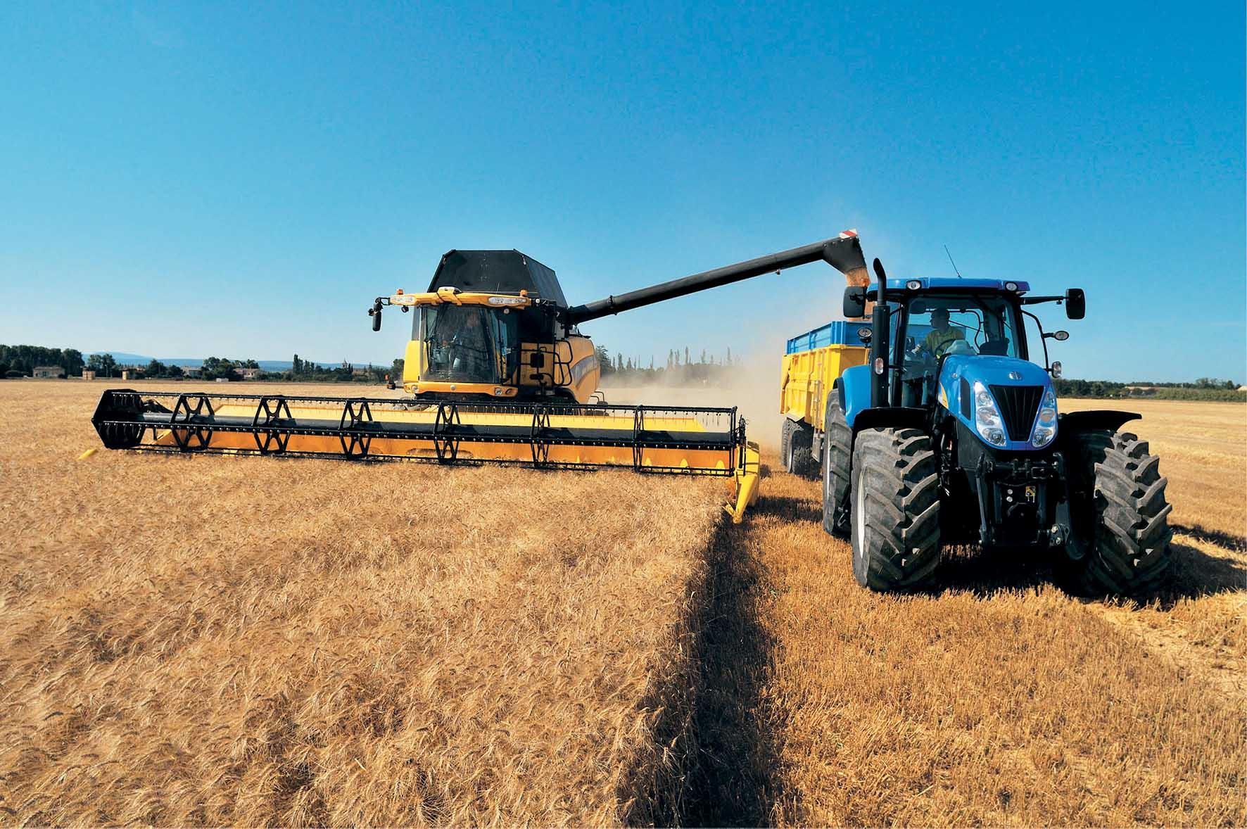 agricoltura mietritrebbia trattore new holland1