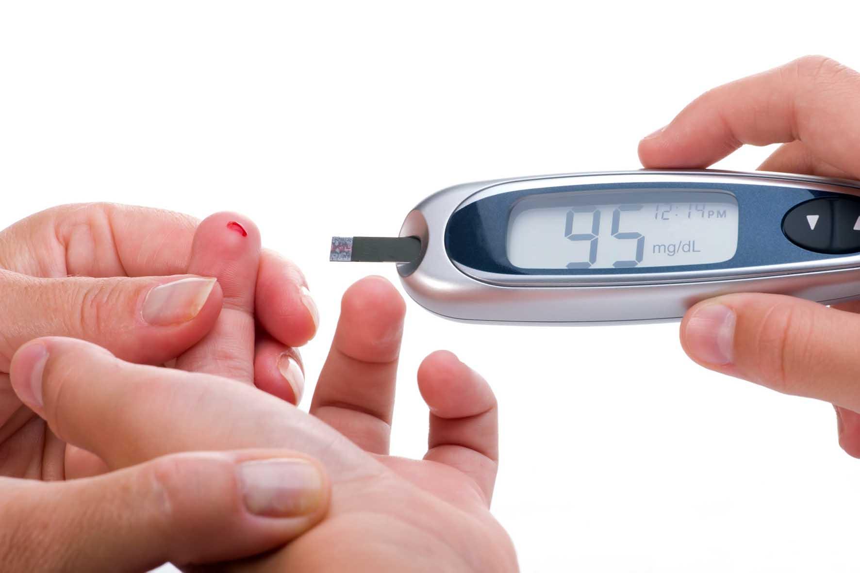 diabete misurazione apparecchio dito sangue