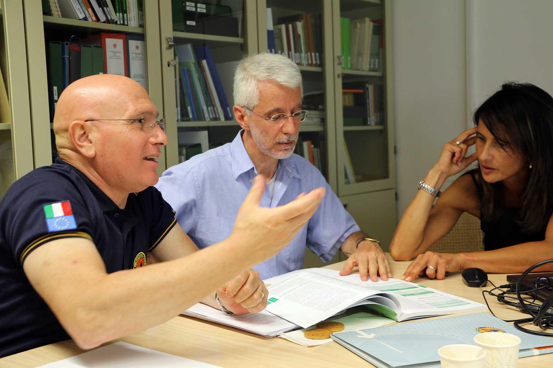 responsabile Tonellato e il coordinatore De Zorzi con la responsabile di progetto Ellecosta