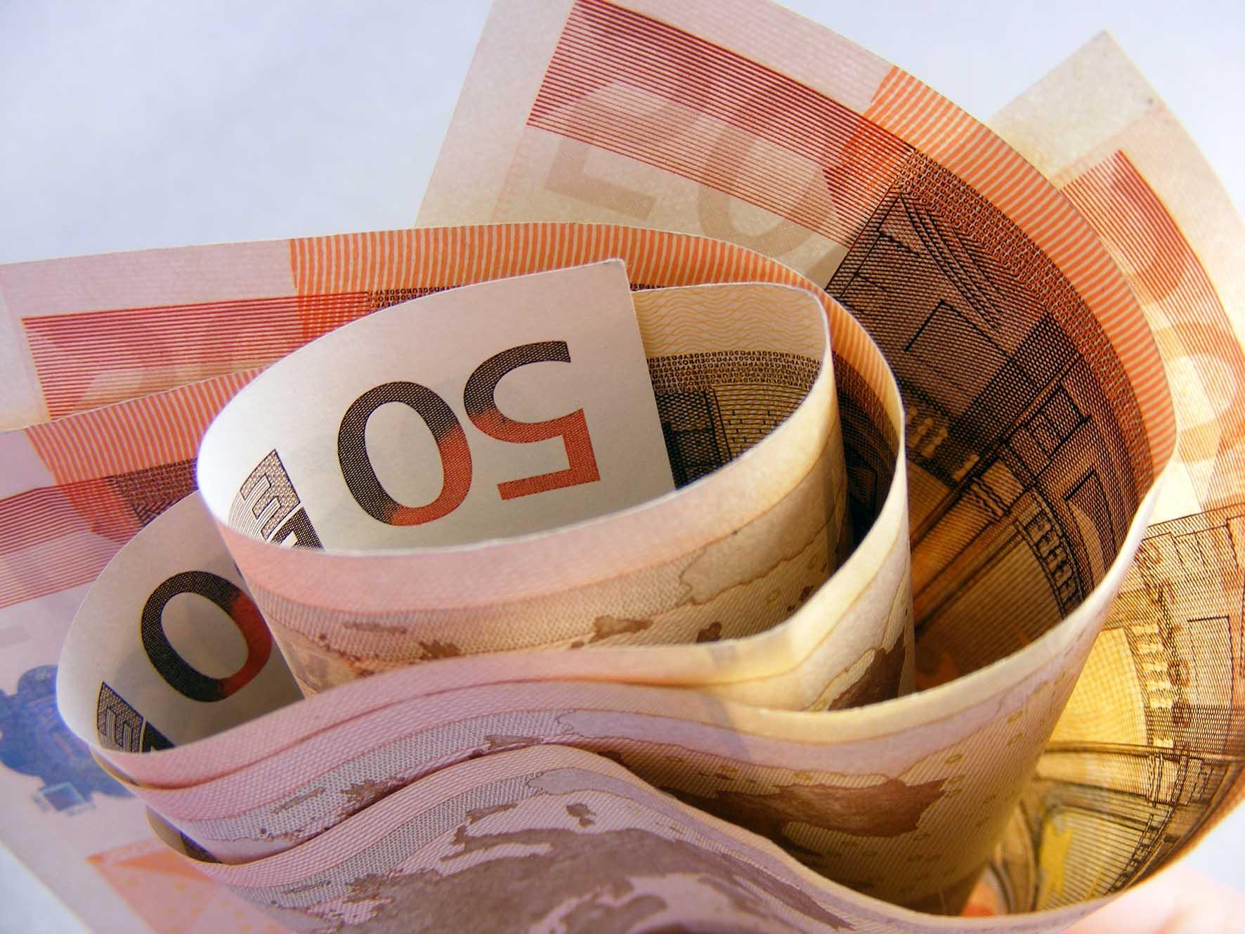 rotolo biglietti 50 euro finanza affari tasse