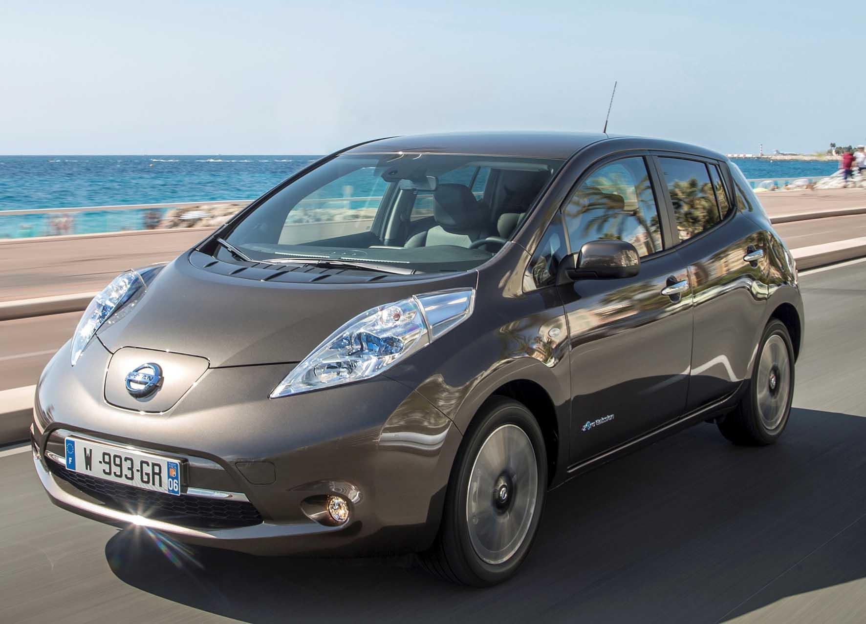 Nissan Nuova Leaf 2016 frontlat 1