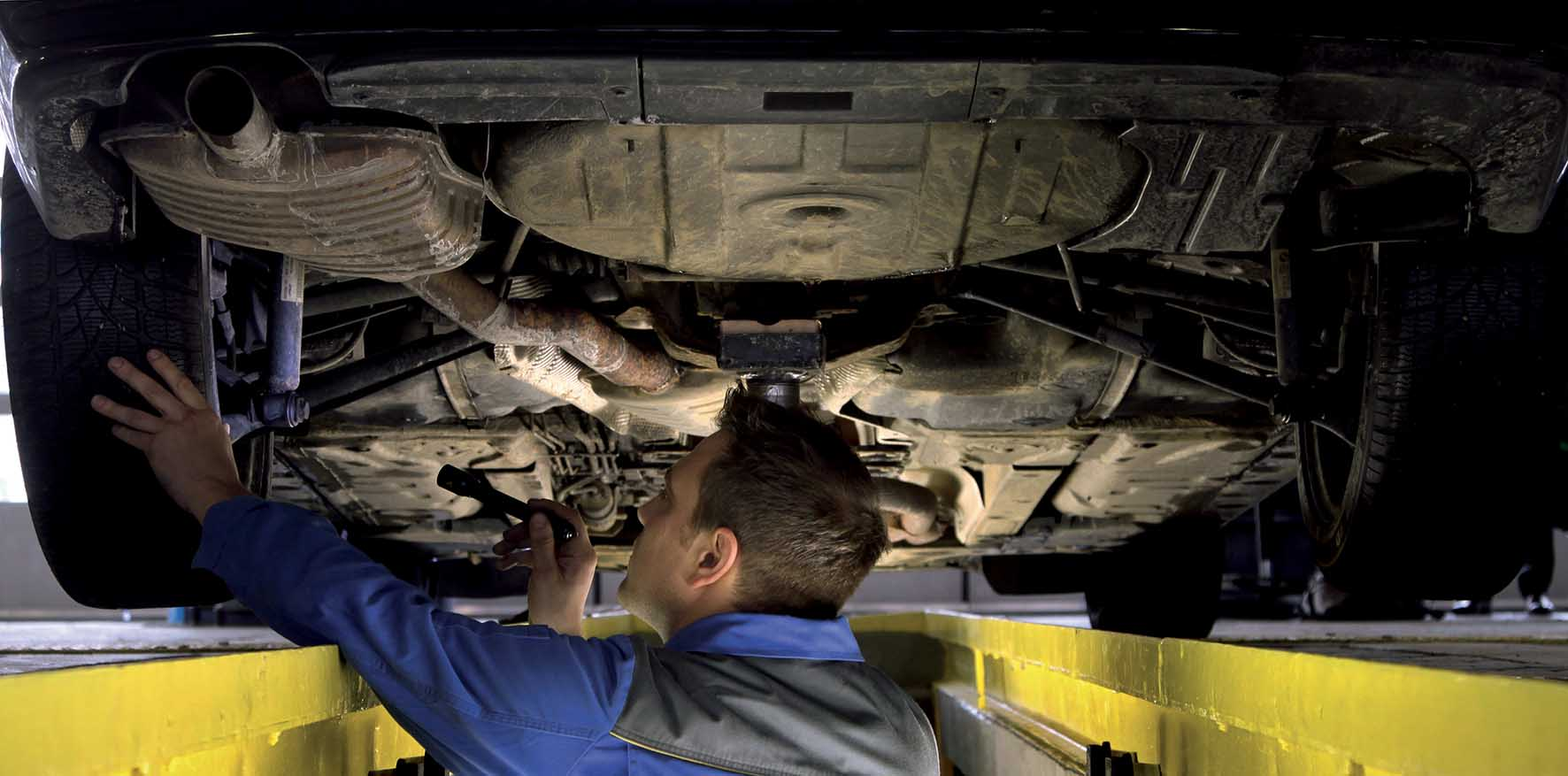 meccanici controllo revisione auto tuv 2