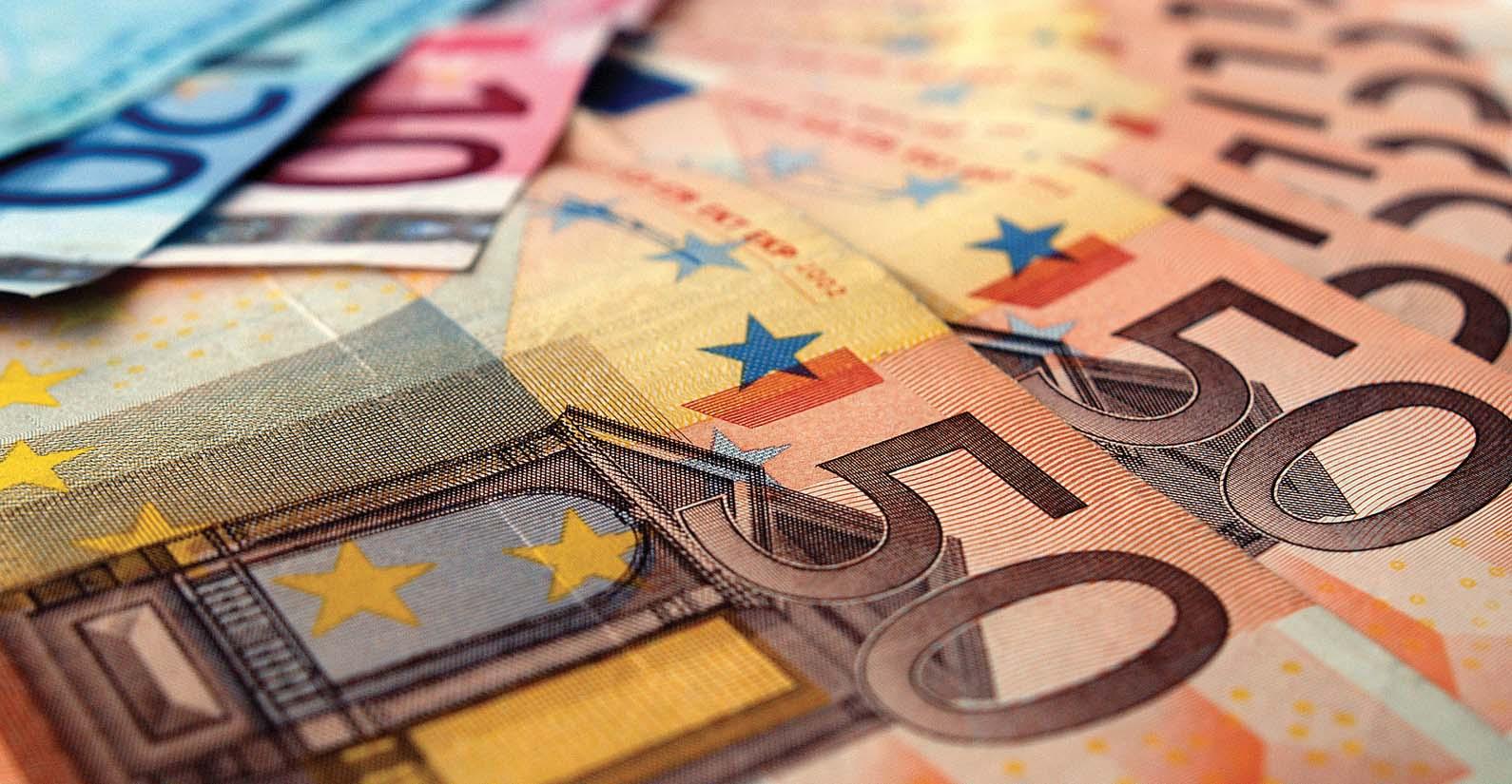 euro roldi biglietti banca fotolia