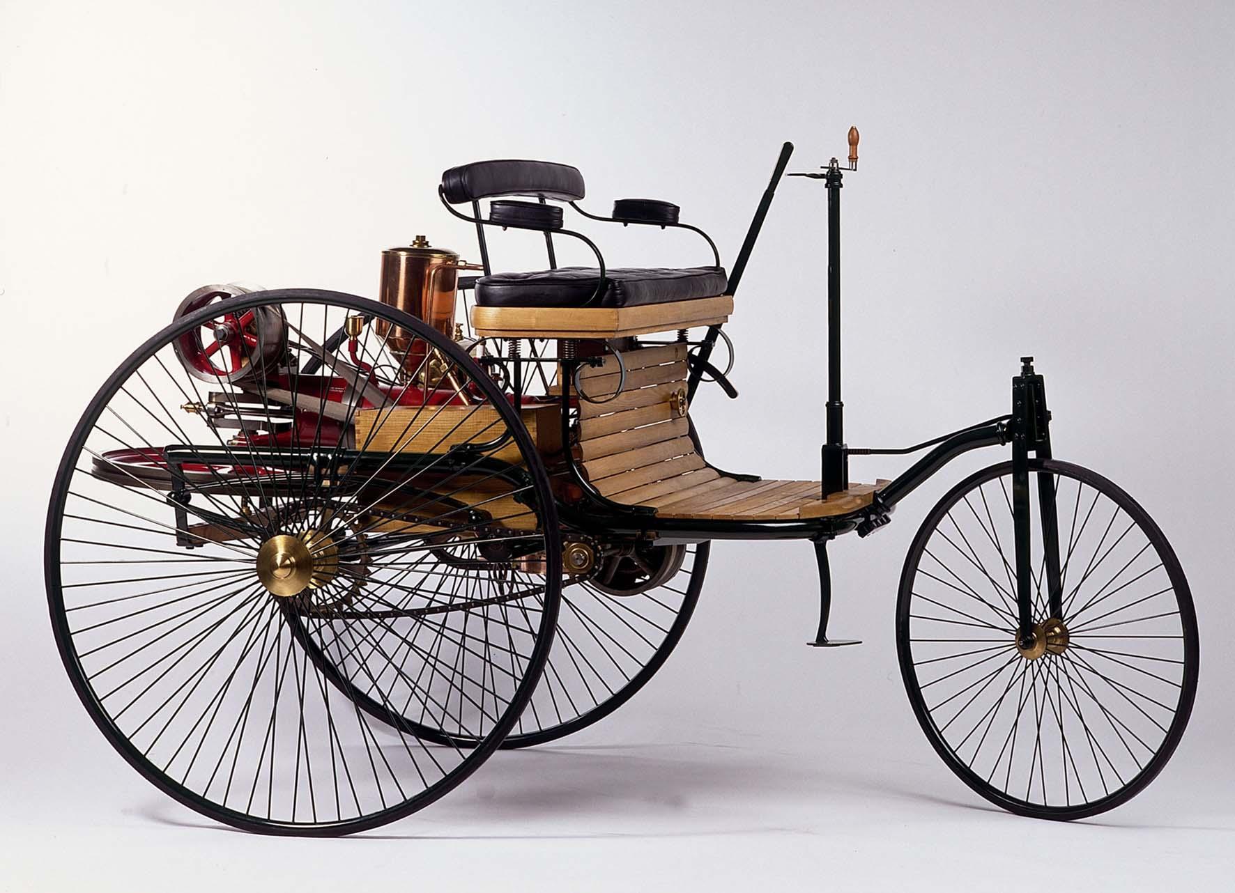 Mercedes 130 anni dal primo veicolo a motore 1