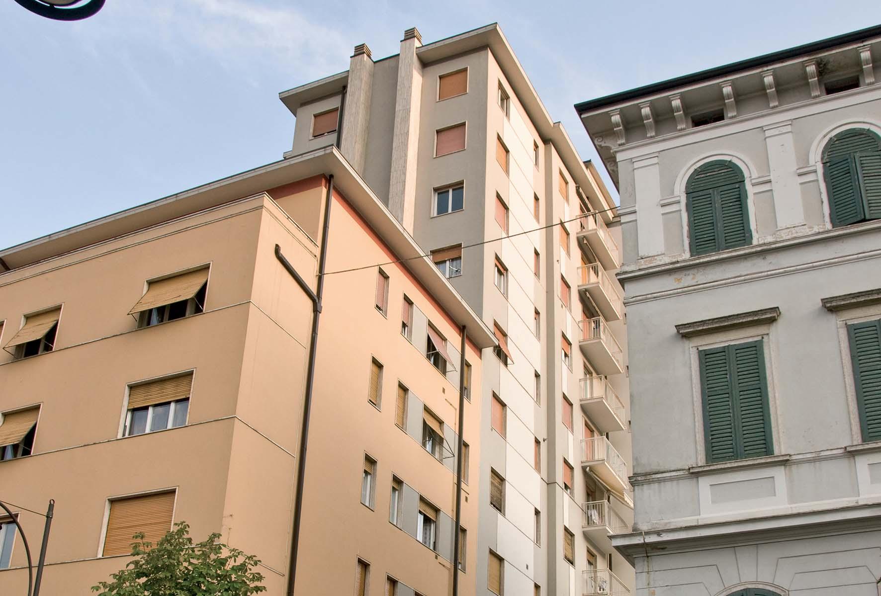Rovereto zona stazione autocorriere corso rosmini palazzo condominio alto 11 piani