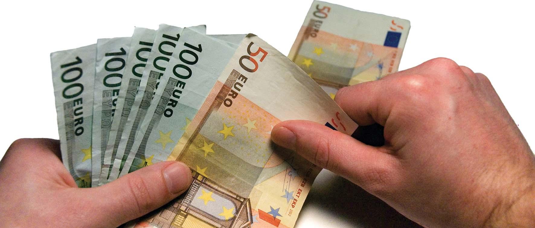 euro soldi conteggio mano