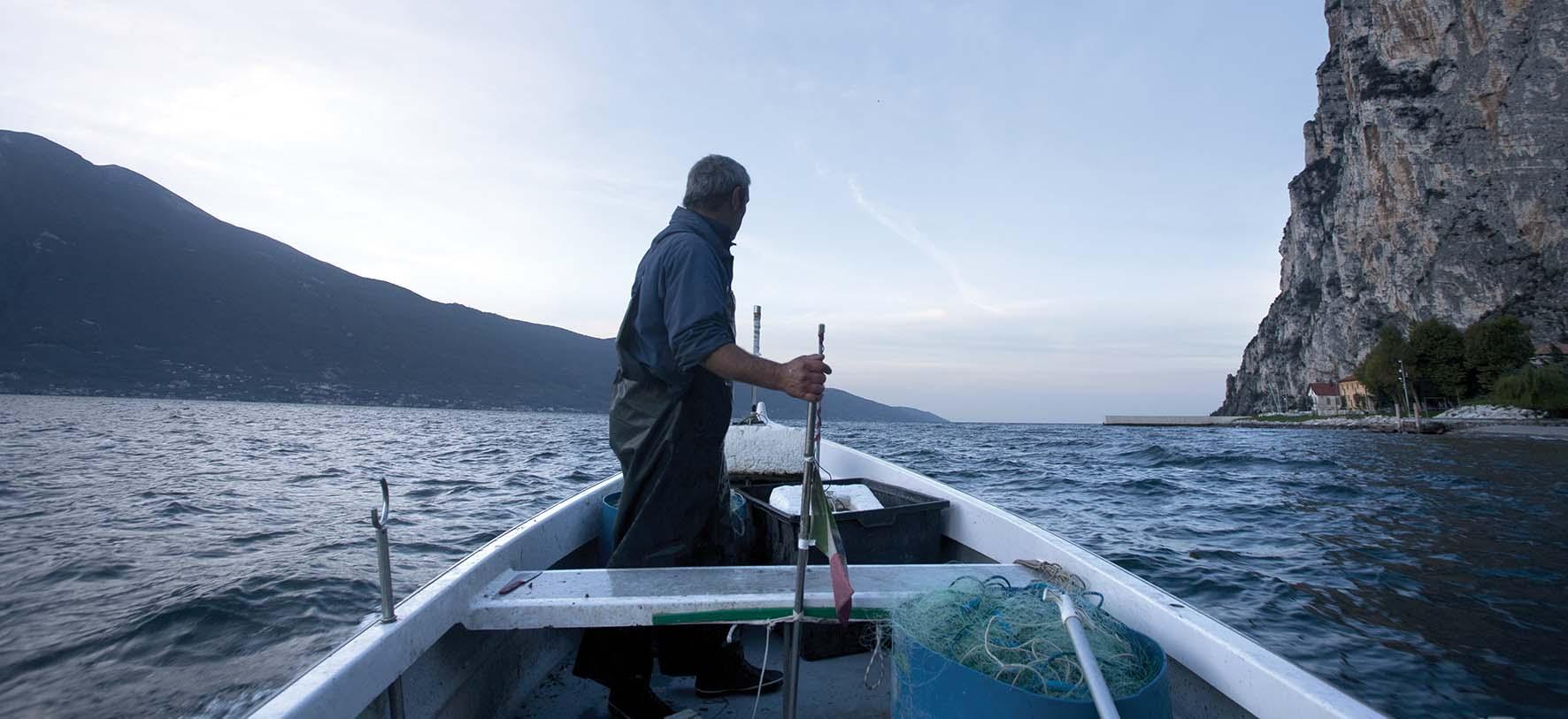 pesca carpione correnti del lago garda foto paolo andrea montanaro