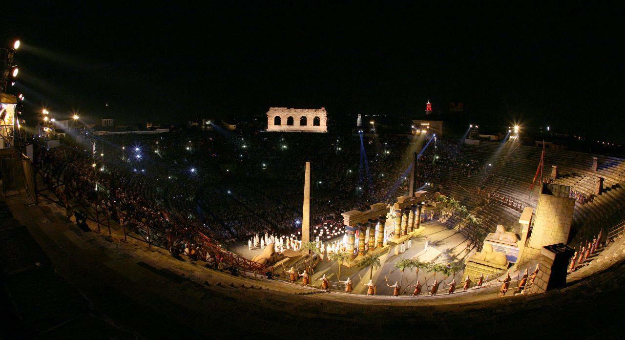 1. 2011 Arena di Verona foto Ennevi