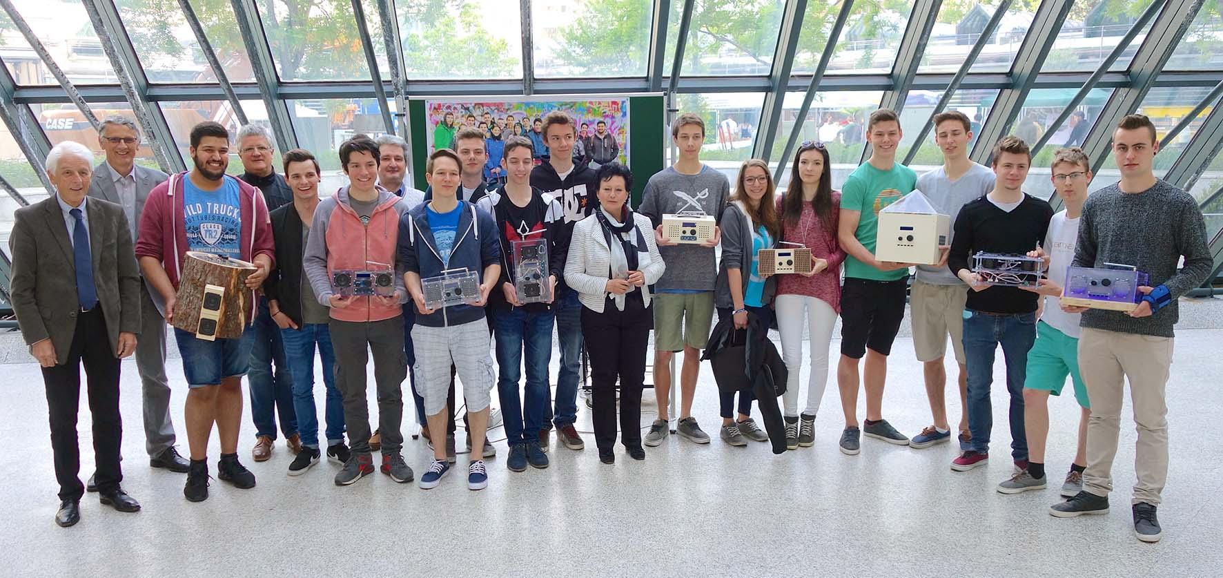 Digitalradio autocstruzione radio dab Istituto Tecnologico Max Valier di Bolzano alunni premiati