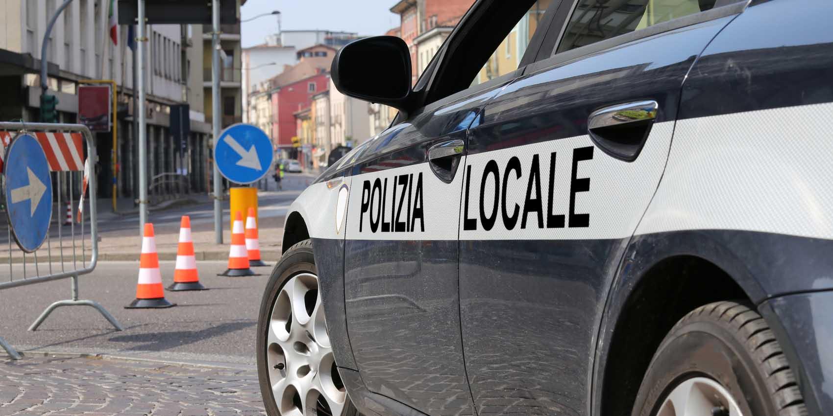 polizia locale automobile