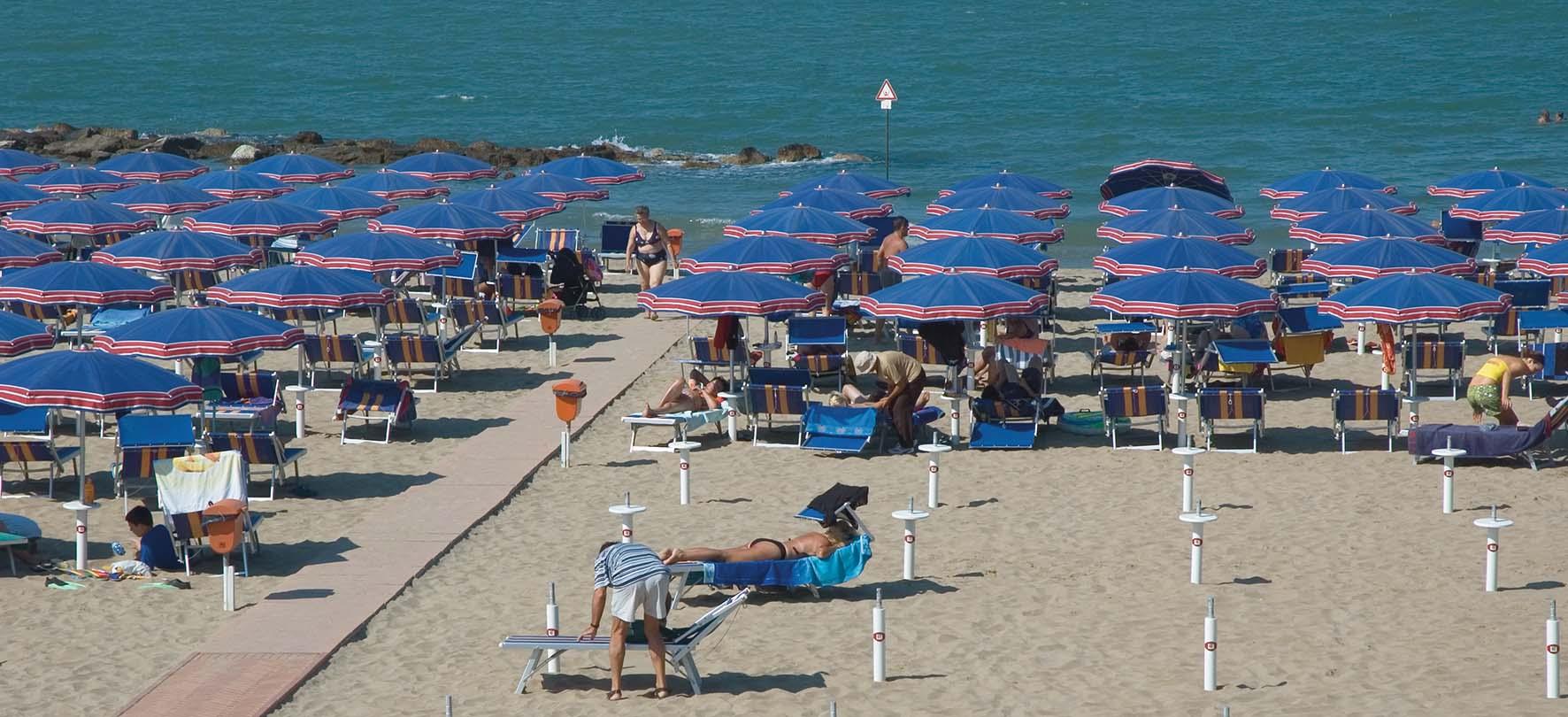 turismo estivo Cattolica SpiaggiaOmbrelloneMareSdraio
