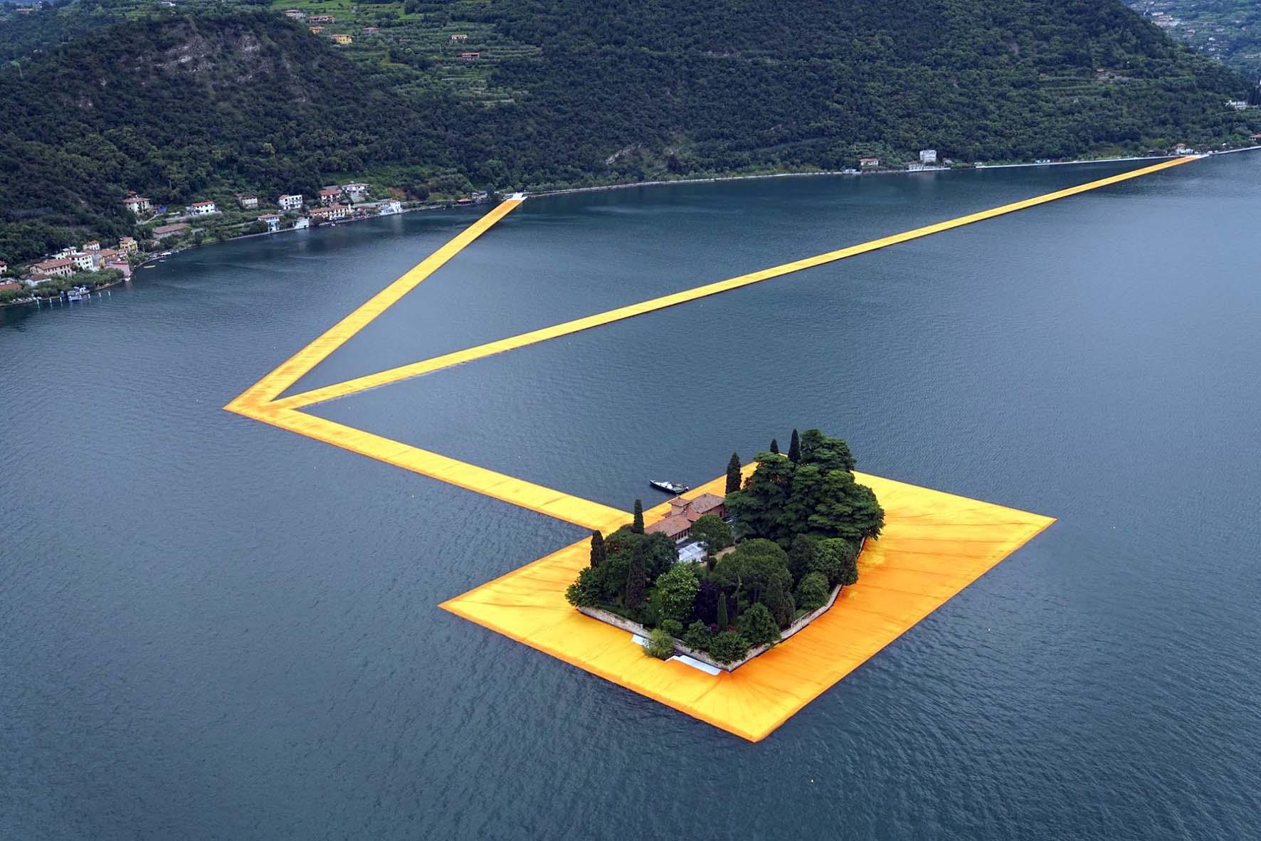 Christo Lago Iseo isola san paolo