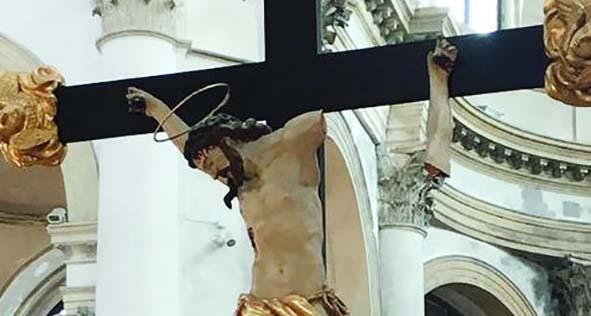 crocifisso vandalizzato da marocchino chiesa san geremia venezia