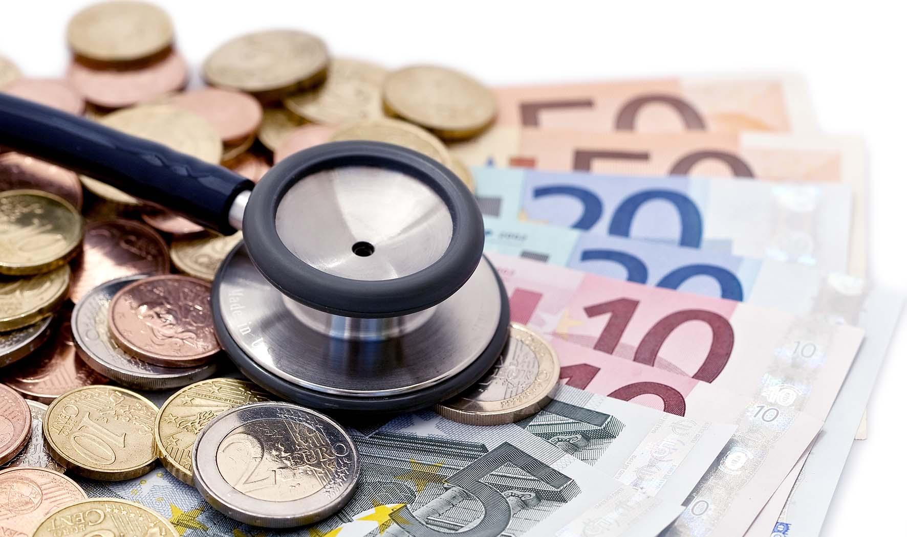 spesa sanità euro soldi stetoscopio