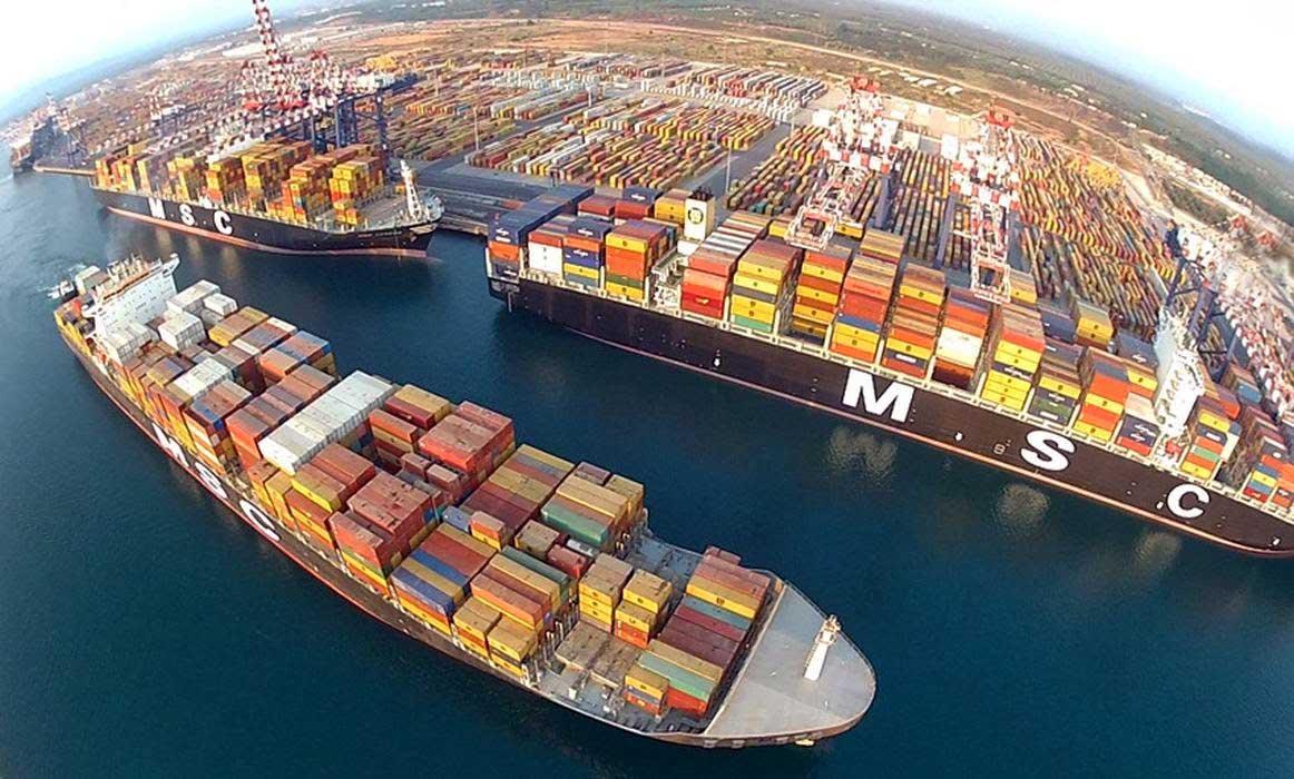 nave container porto gioia tauro