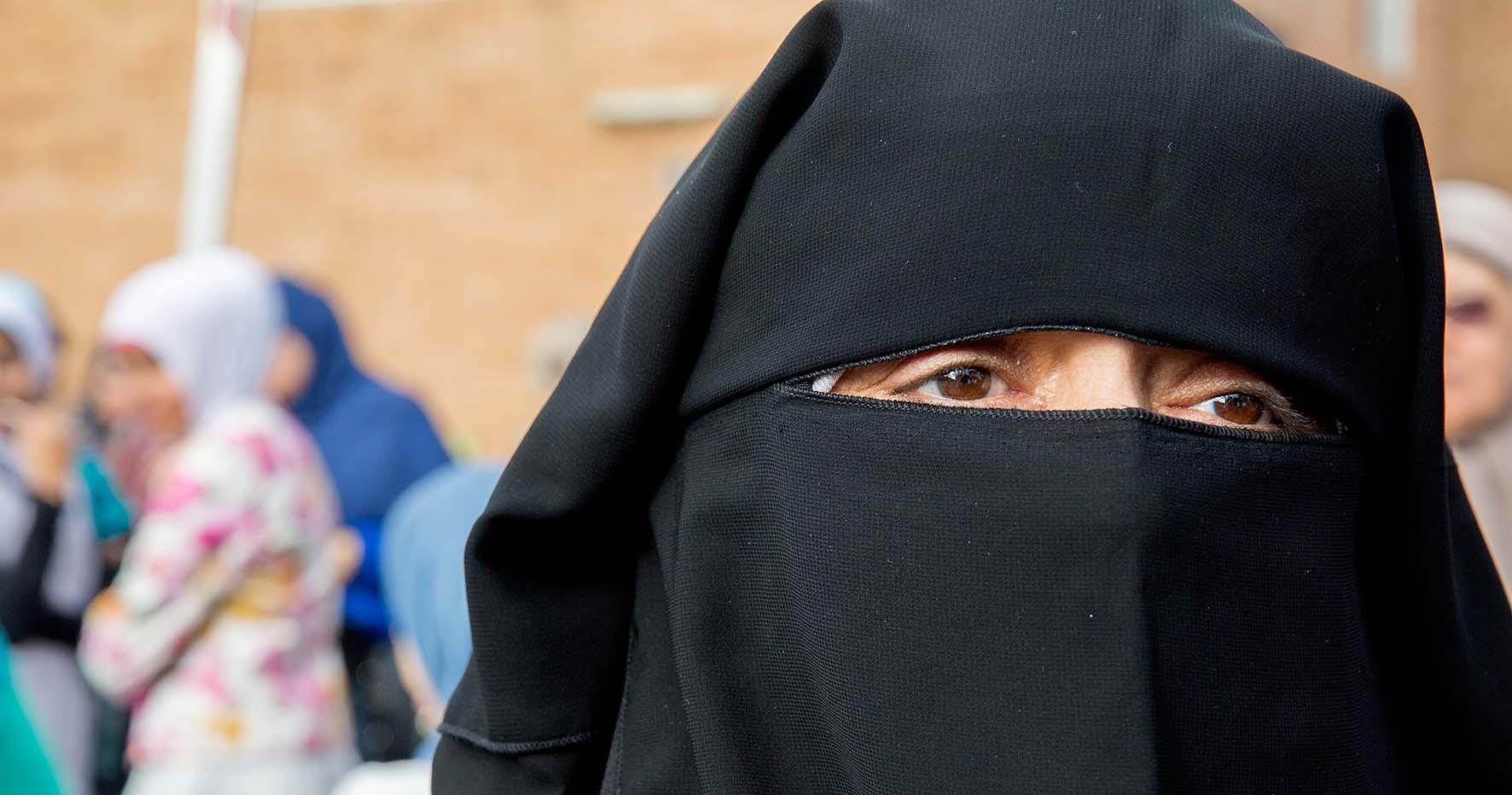 donna mussulmana velo integrale niqab 1