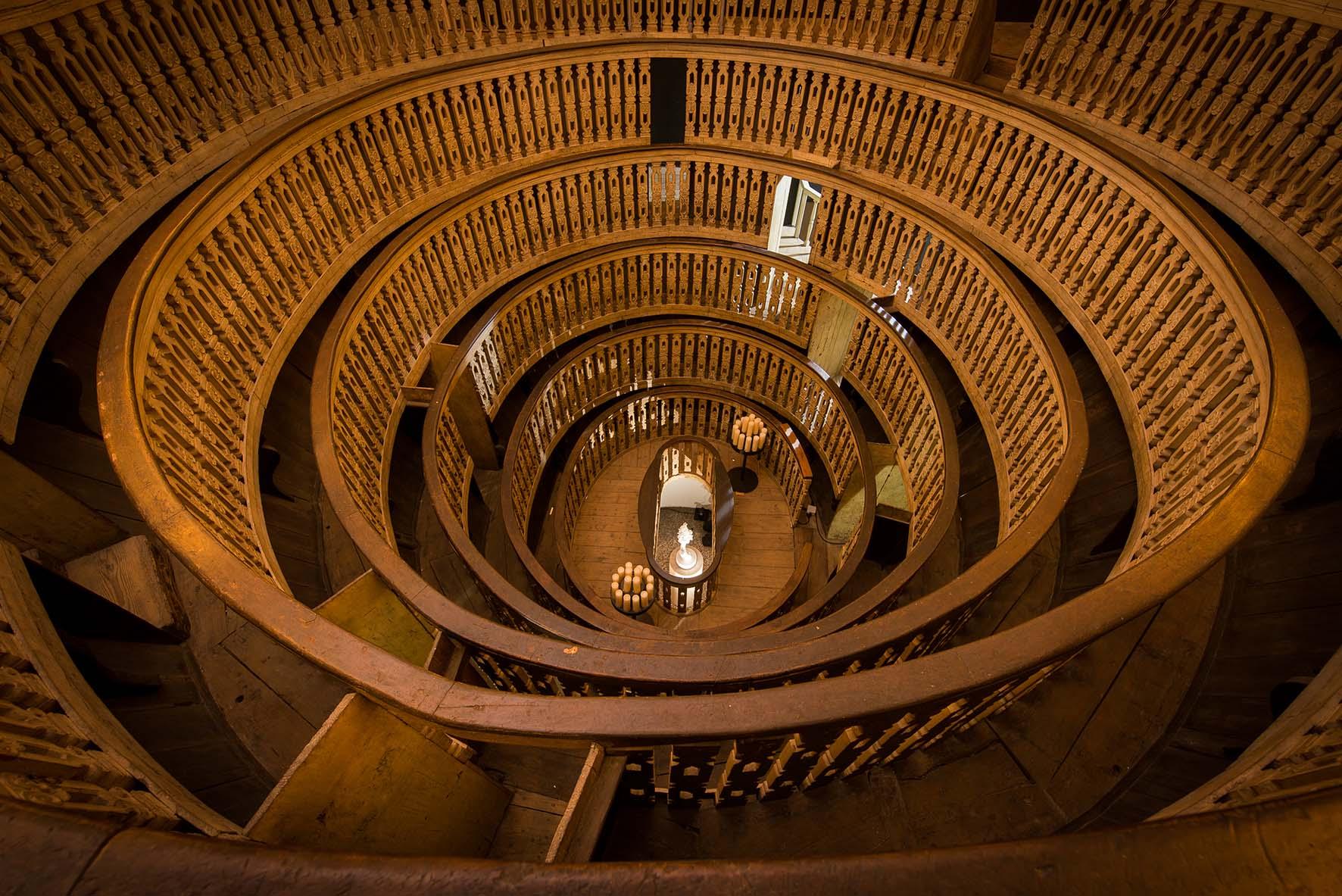 Gare de lest Unipd teatro anatomico PalazzoBo SamoriLucy 2016 Marmo bianco puro di Carrara frammento lunare 015