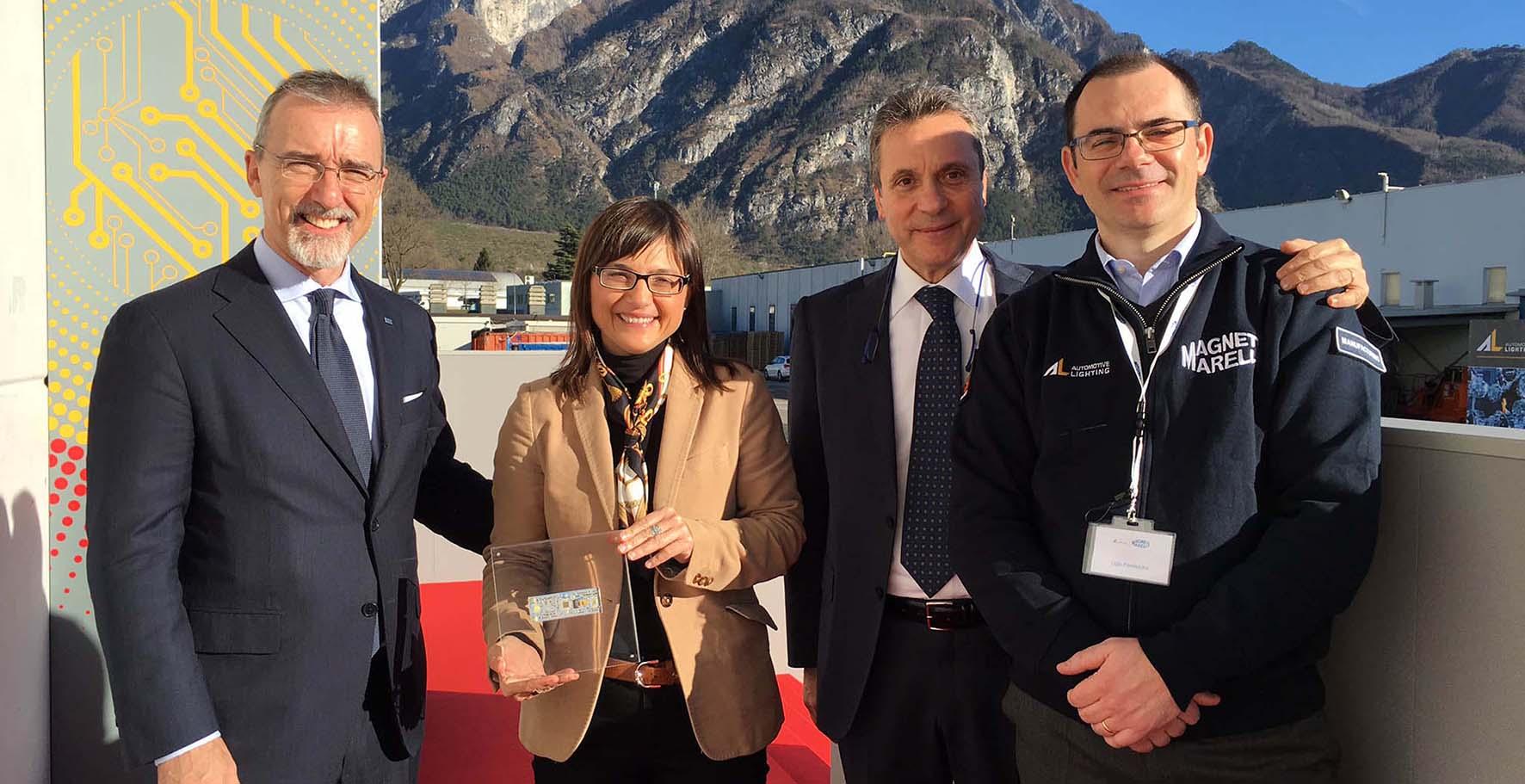 Pietro Gorlier Amministratore delegato Magneti Marelli Debora Serracchiani e Ugo Peressoni Resp Operations Sud Europa Automotive Lighting