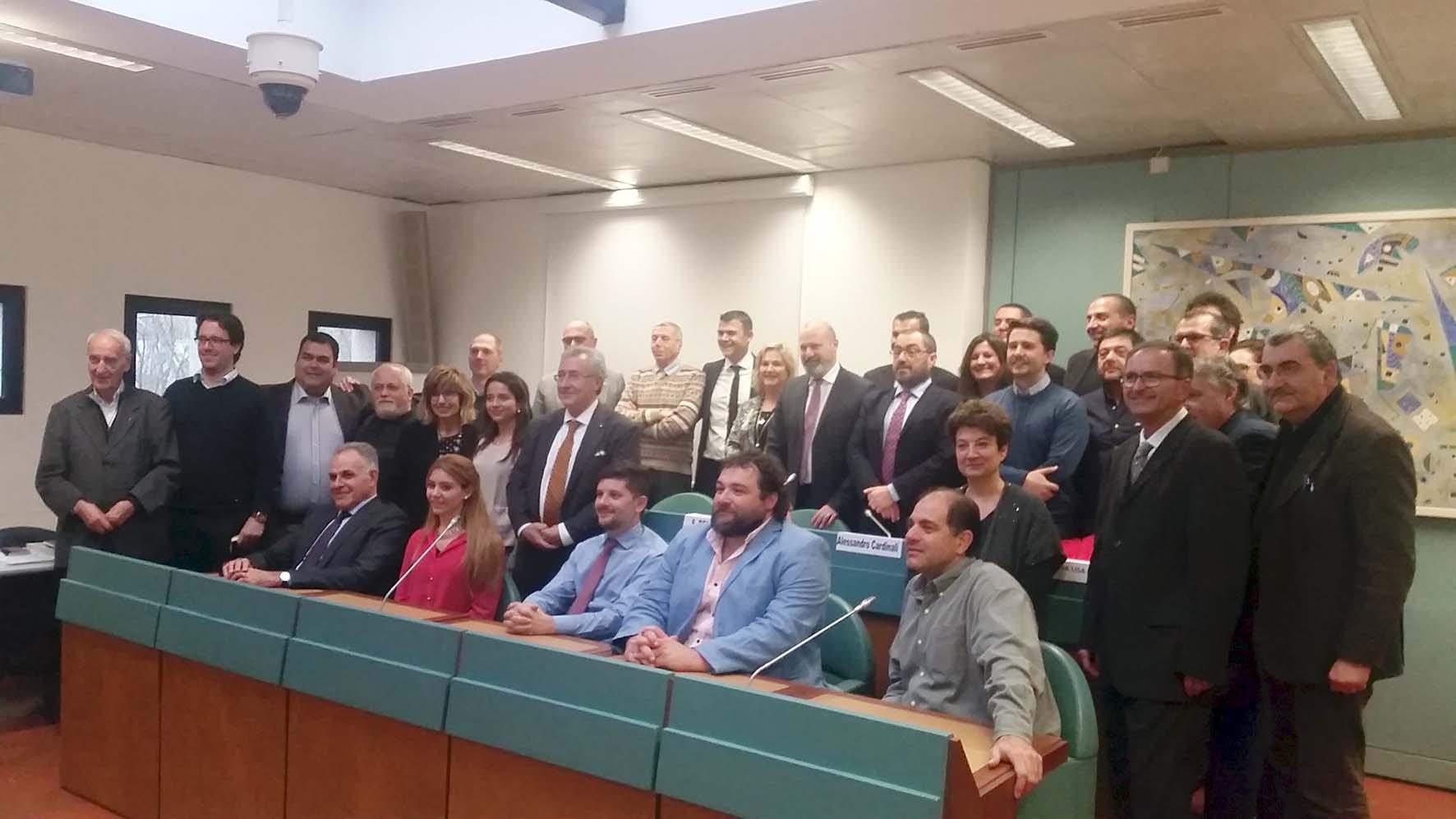 consulta emiliano romagnoli mondo 2016