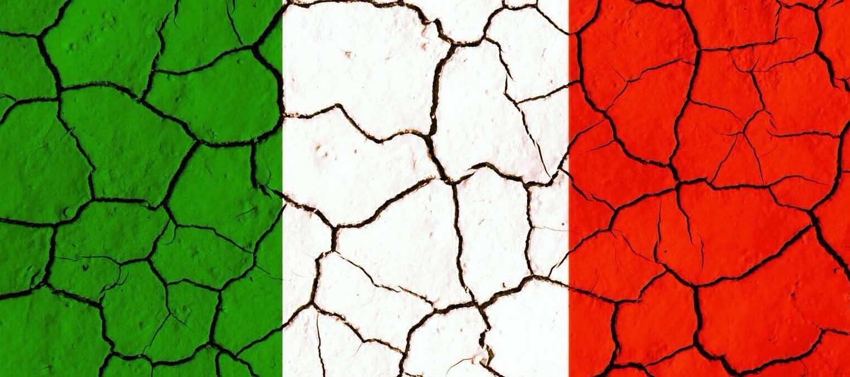 italia bandiera tricolore crepe