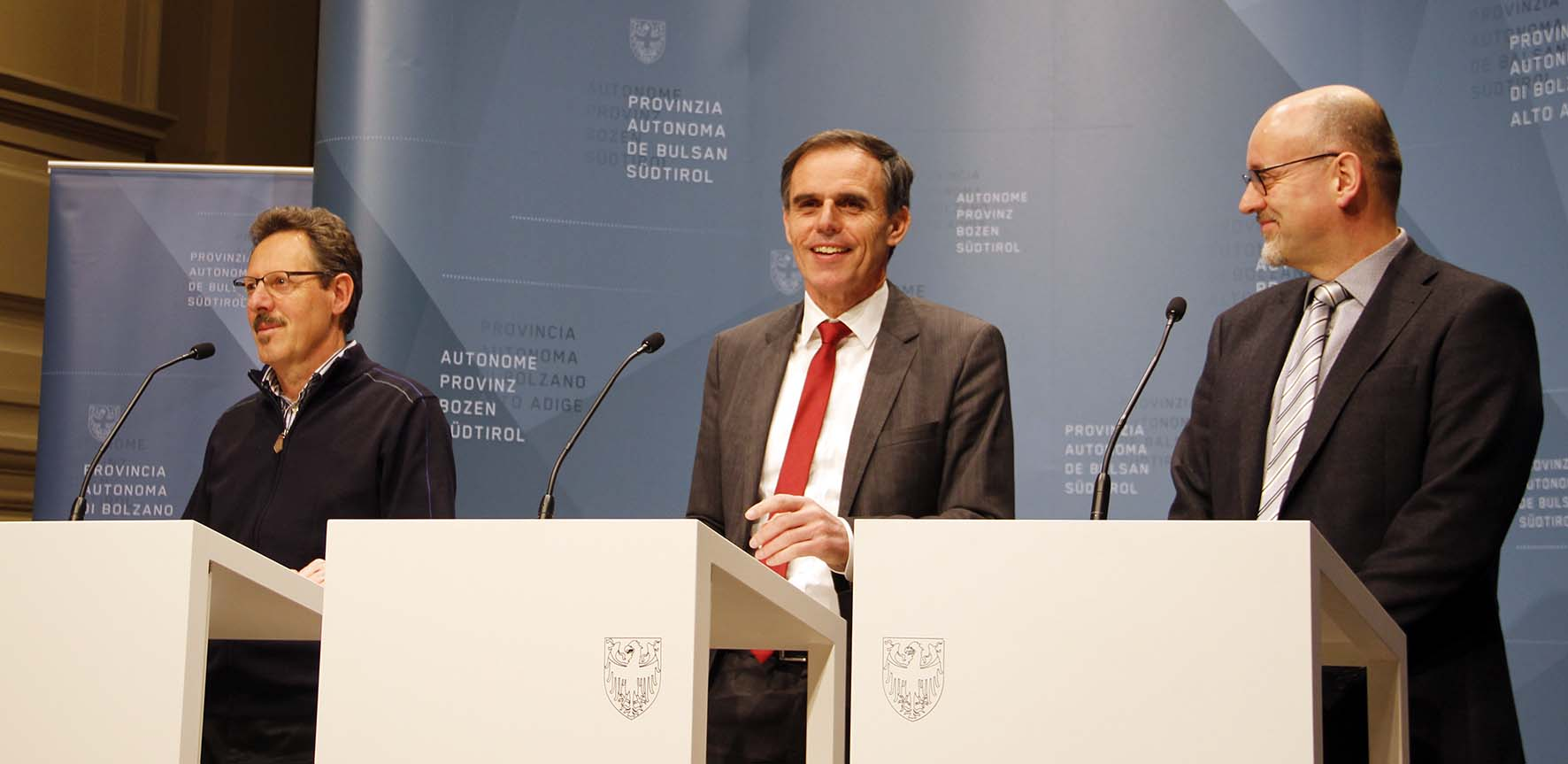 alto adige fondi ambientali Theiner tra i direttori Ernesto Scarperi a sin. e Flavio Ruffin