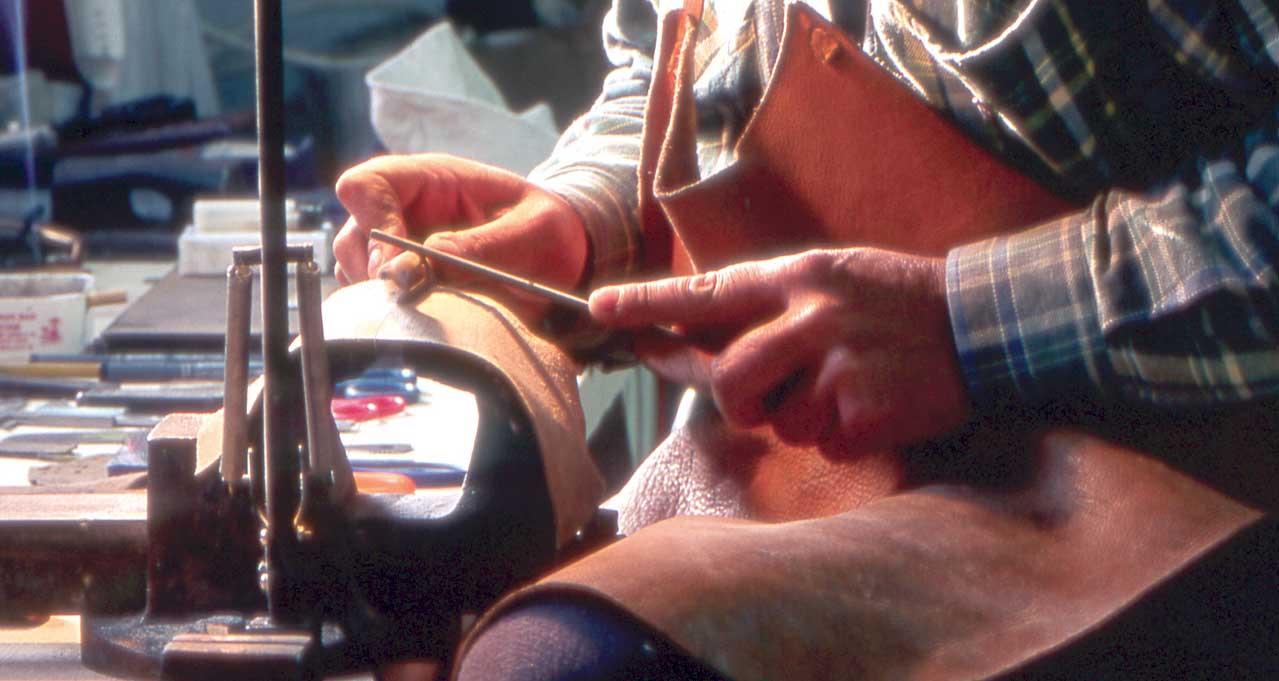 artigianato artigiano lavorazione oggetto
