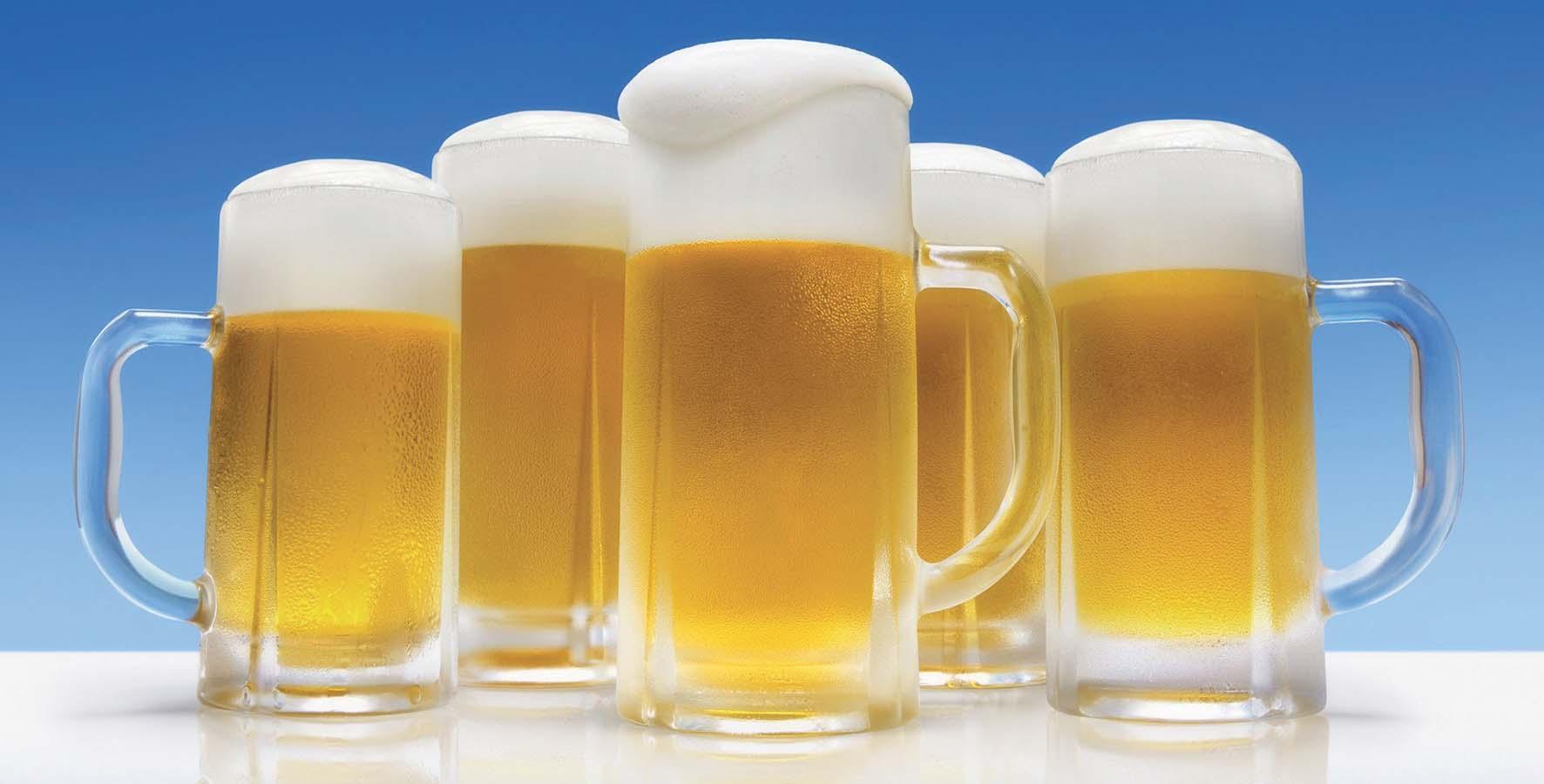 boccali birra bionda