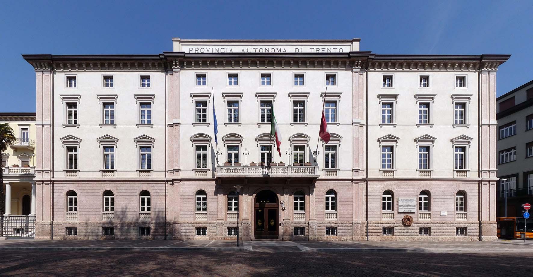 economia trentina Trento sede pat Palazzo della Provincia Autonoma di Trento front